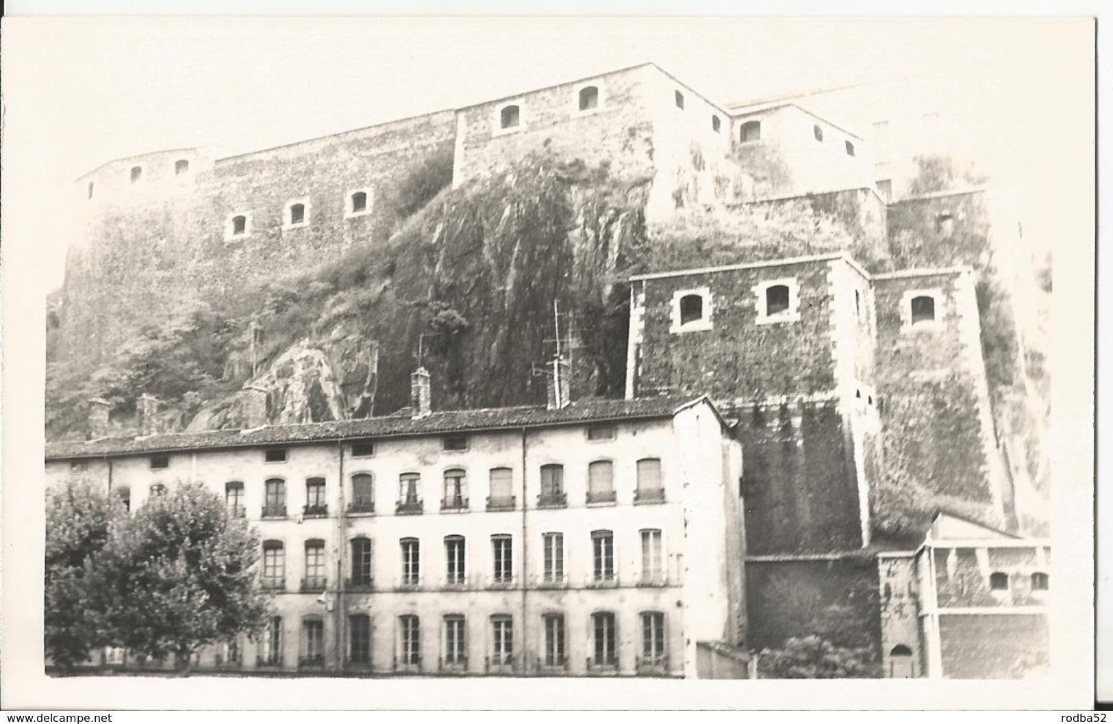 Photo - Lyon - Fort Saint Jean - 7 Septembre 1969 - Places