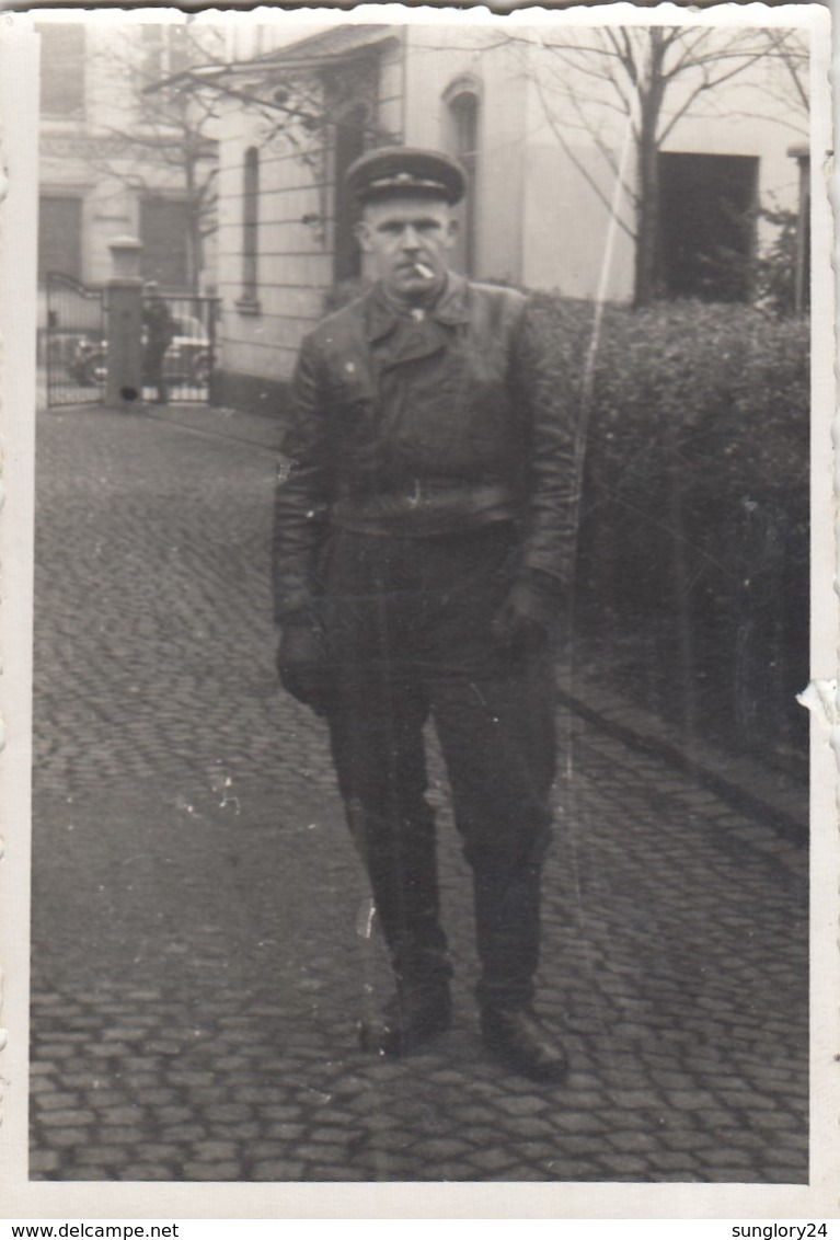 RUSSIA. #1458 A PHOTO. GERMANY.  MILITARY WITH CIGARETTES. LEATHER JACKET. *** - Proyectores De Cine