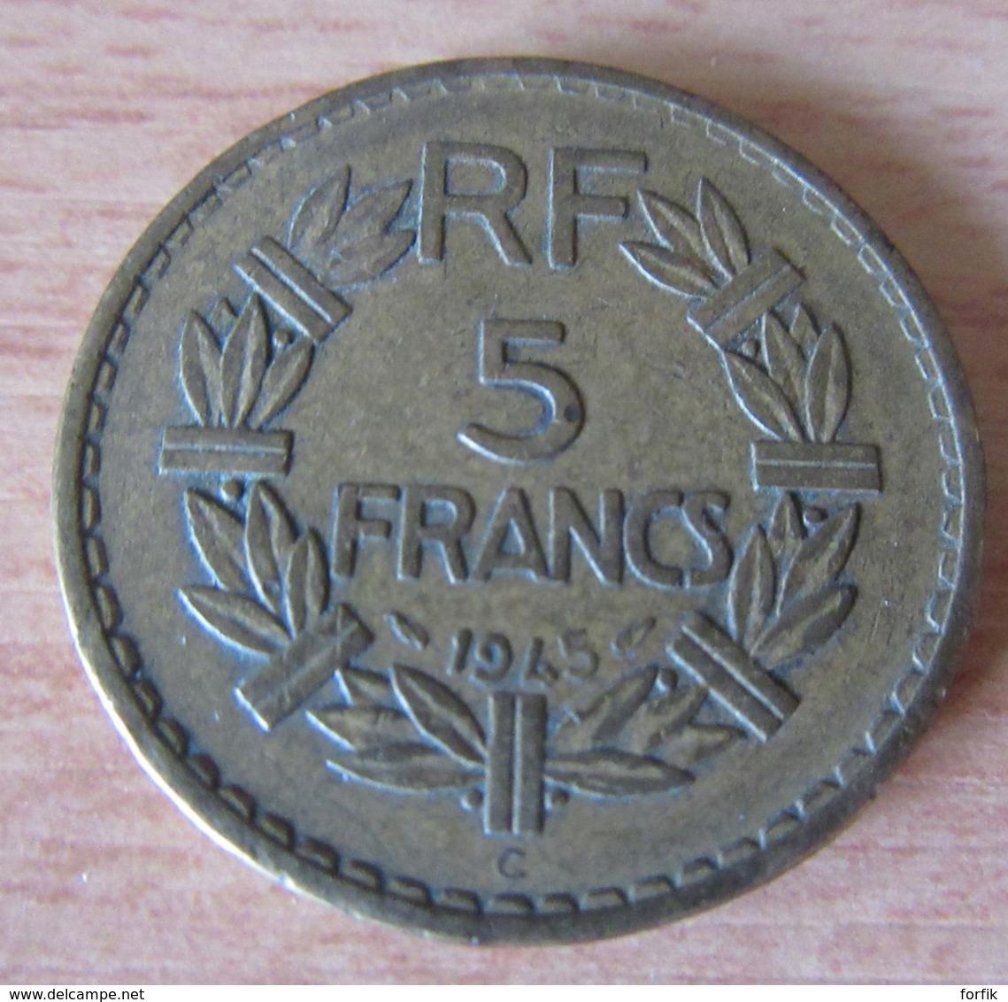 France - Monnaie 5 Francs Lavrillier Bronze-Aluminium 1945 C - Millésime Peu Commun - TTB - France