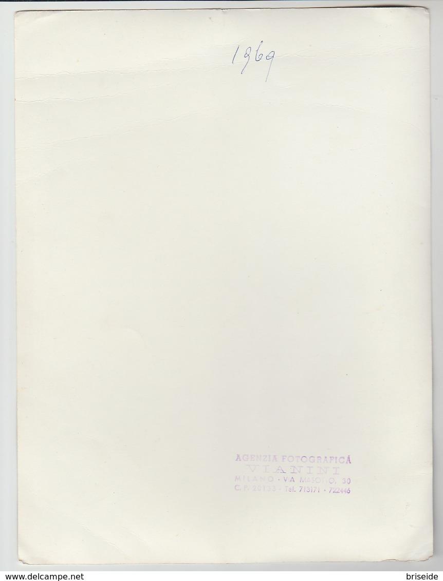 MODA COSTUME MATRIMONIO SPOSA 1969 N. 4 FOTOGRAFIE FOTO CM. 17,5X23 AGENZIA FOTOGRAFICA VIANINI MILANO - Persone Anonimi