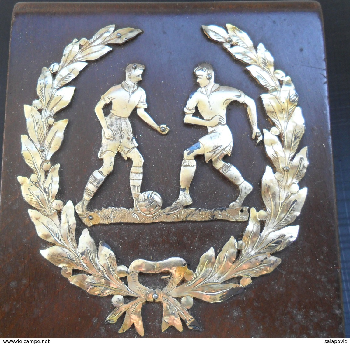 PLAQUE FOOTBALL SD GRAFICAR OSIJEK 1953 - Deportes