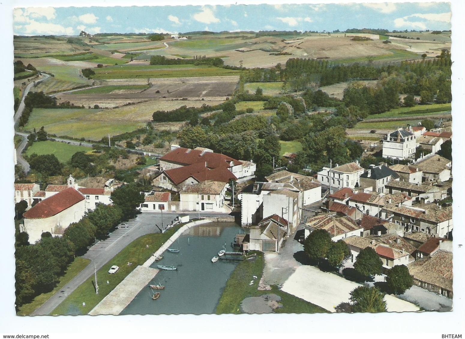 Chenac-St-Seurin-d'Uzet Vue Aérienne Avec Le Port - Autres Communes