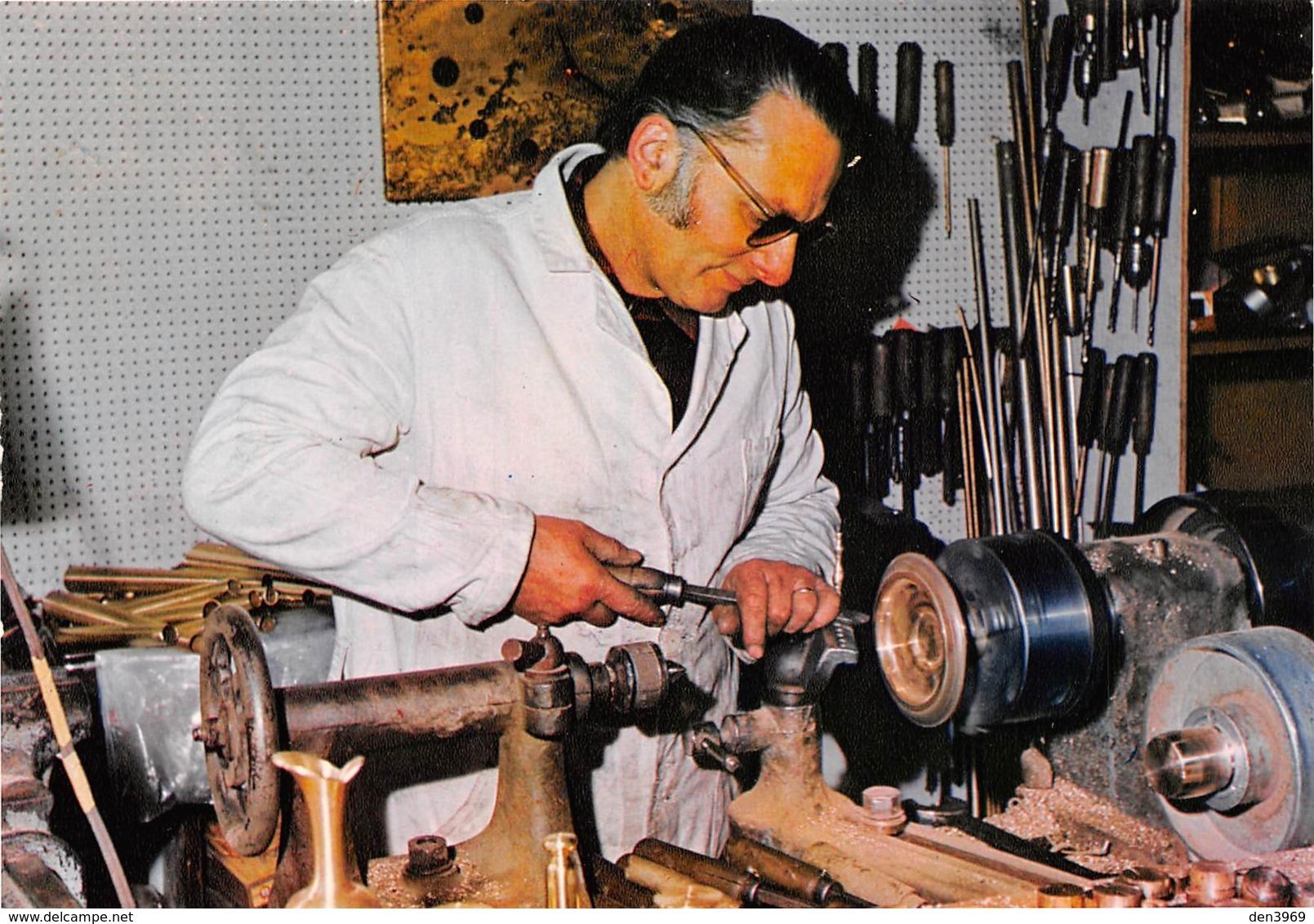 GUILLESTRE - Les Miniatures - L'Artisan Dans Son Atelier - Guillestre