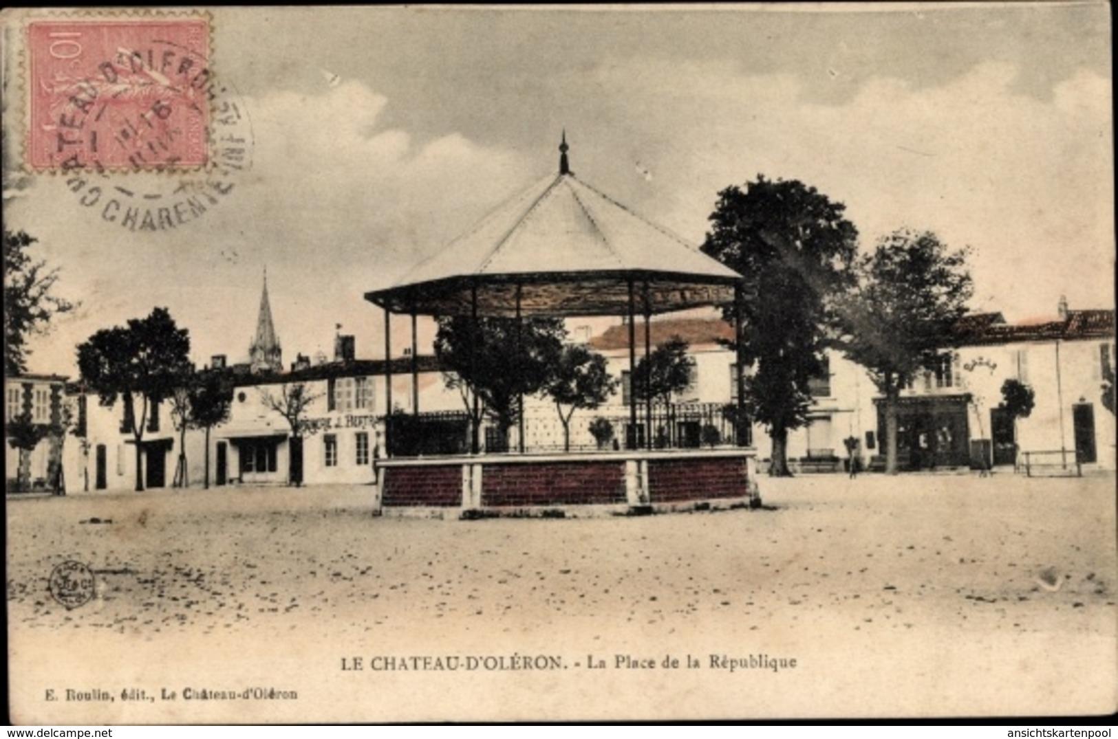 Cp Le Chateau D'Oleron Charente Maritime, La Place De La Republique, Bazar, Imprimerie J. Bertrand - Autres Communes