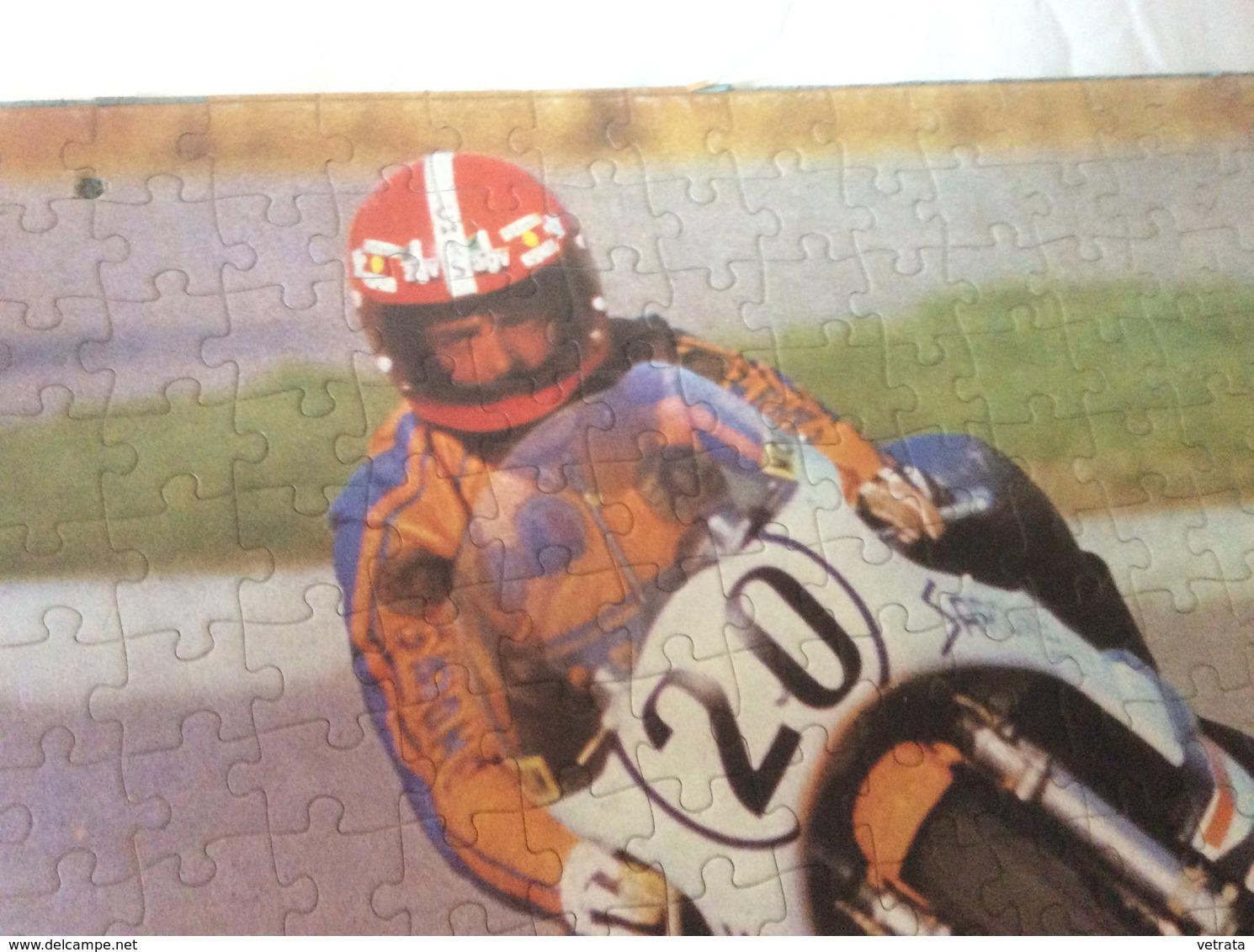 Moto Sur Circuit : Puzzle Reconstitué Sur Plaque Cartonné Pour Support P.L.V. (7 Pièces- 30x41 Cm - 2 Perforations Coté - Puzzles