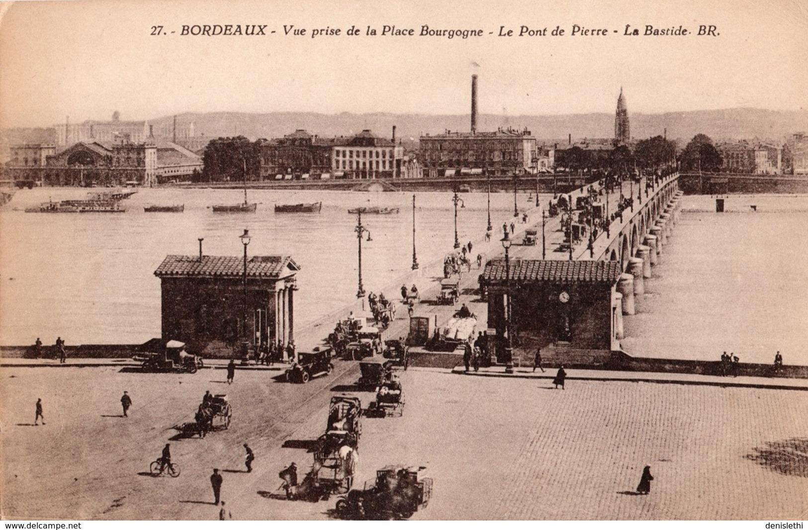 BORDEAUX - Vue Prise De La Place Bourgogne - Le Pont De Pierre - La Bastide - Bordeaux
