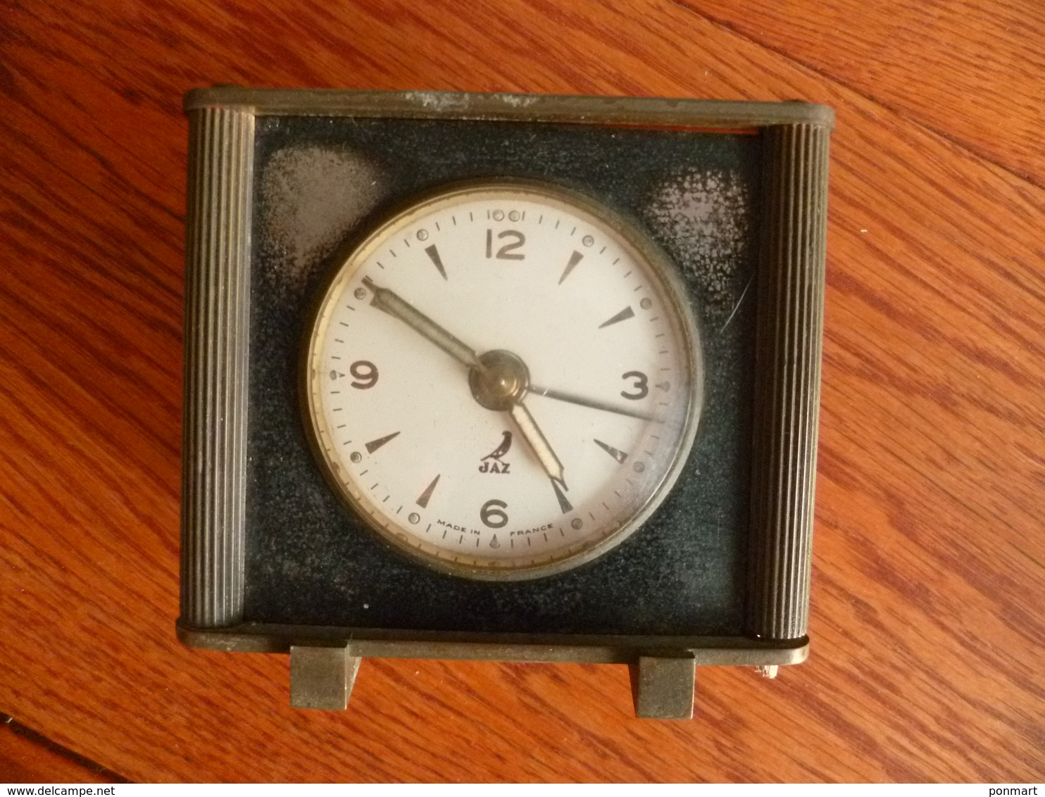 Réveil  Jaz  Style Art Déco  , En Laiton , Ne Fonctionnant Plus - Alarm Clocks