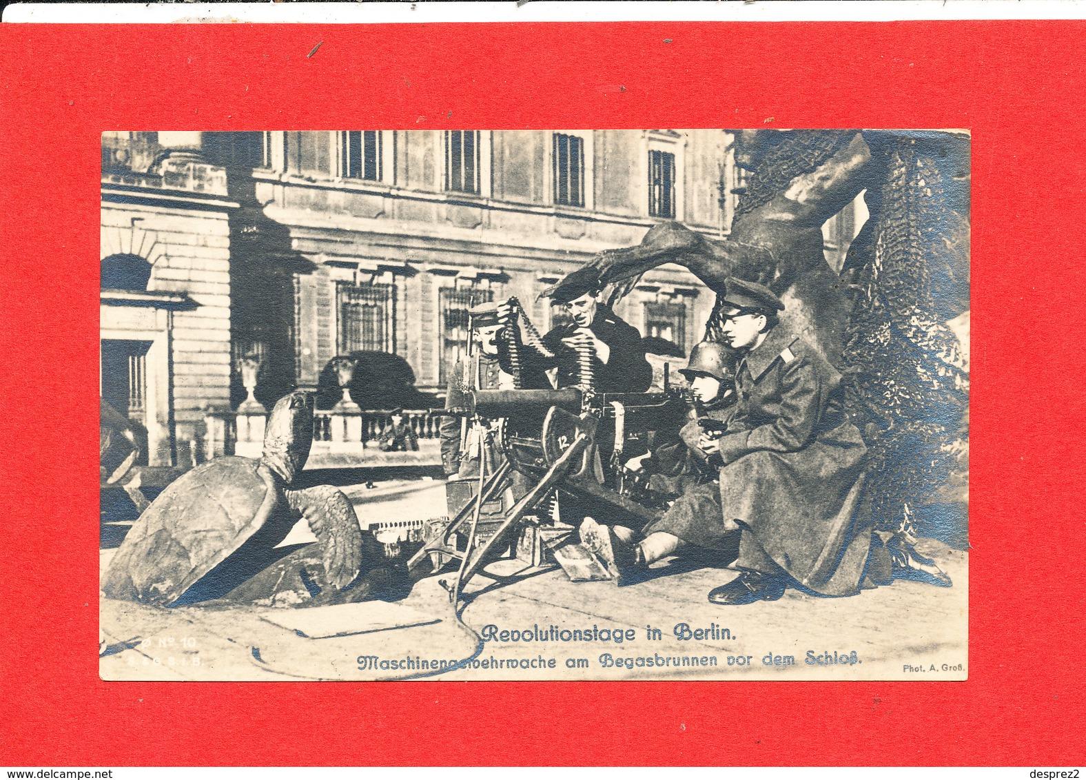BERLIN In REVOLUTIONSTAGE Cpa Animée Soldat Mitrailleuse Guerre Photo Edit GroB - Sonstige