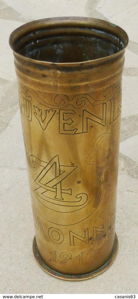 Douille D' Obus De 75 - Sculptée Souvenir Des CRAONNE 1917  (  Objet De Poilus  ) - Decorative Weapons