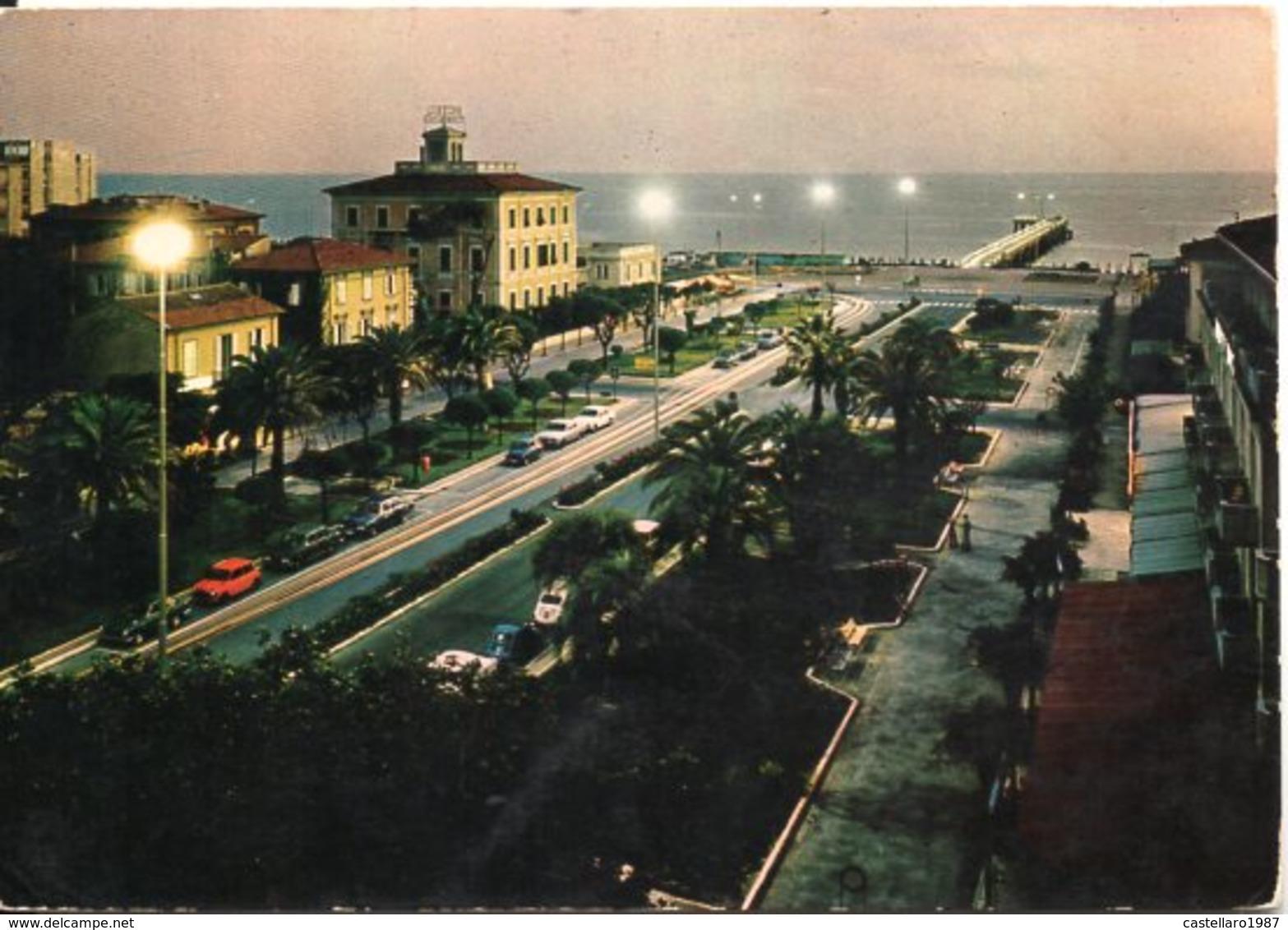 MARINA DI MASSA - Piazza Betti - Notturno - Massa