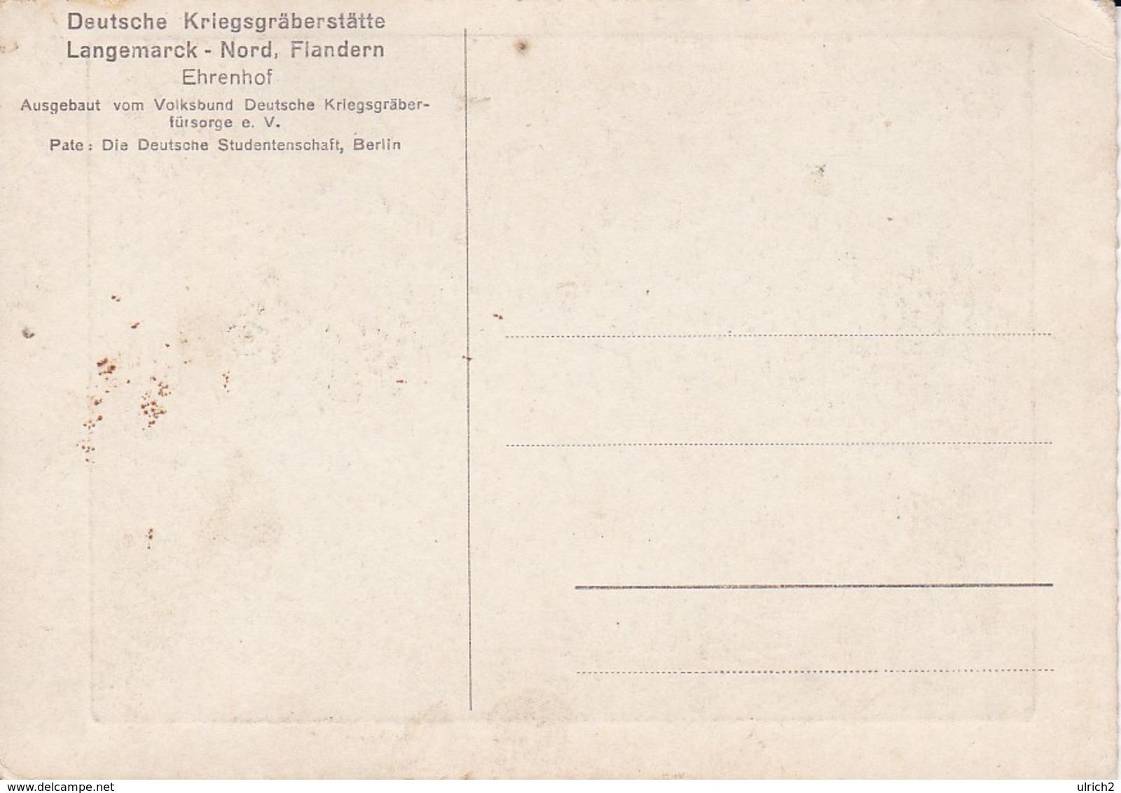 AK Langemarck - Flandern - Deutsche Kriegsgräberstätte - Ehrenhof (40597) - Langemark-Poelkapelle