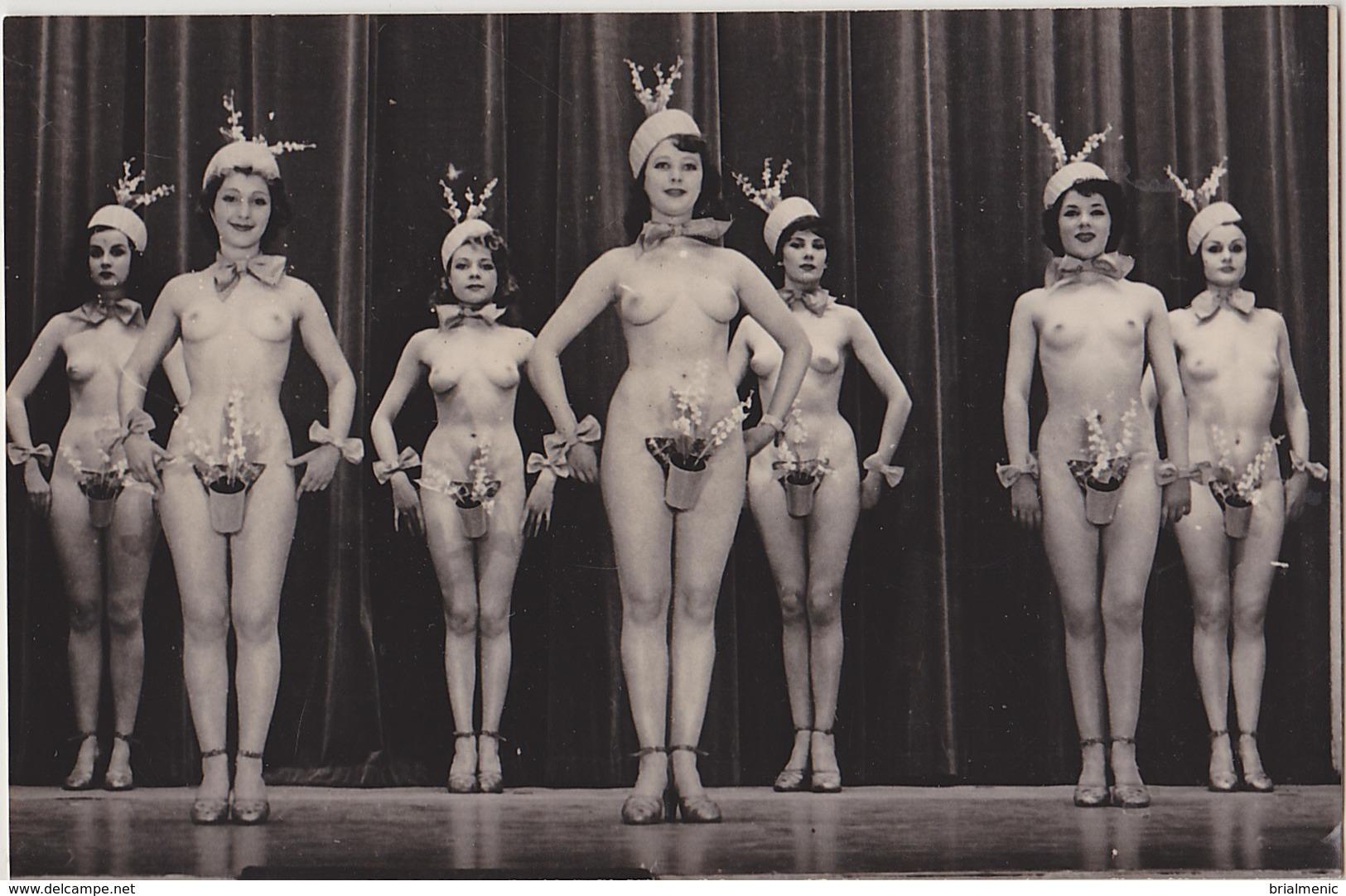 NUES Au Concert Mayol  ( Genre De Carte-Photo ) - Vintage Divas < 1960