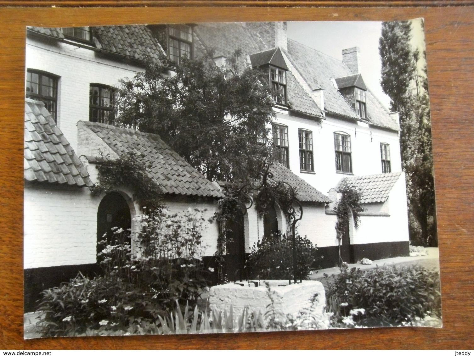 Mooie ORIGINELE Grote  FOTO       AFGA Rond 1970       DIKSMUIDE  Begijnhof - Lieux