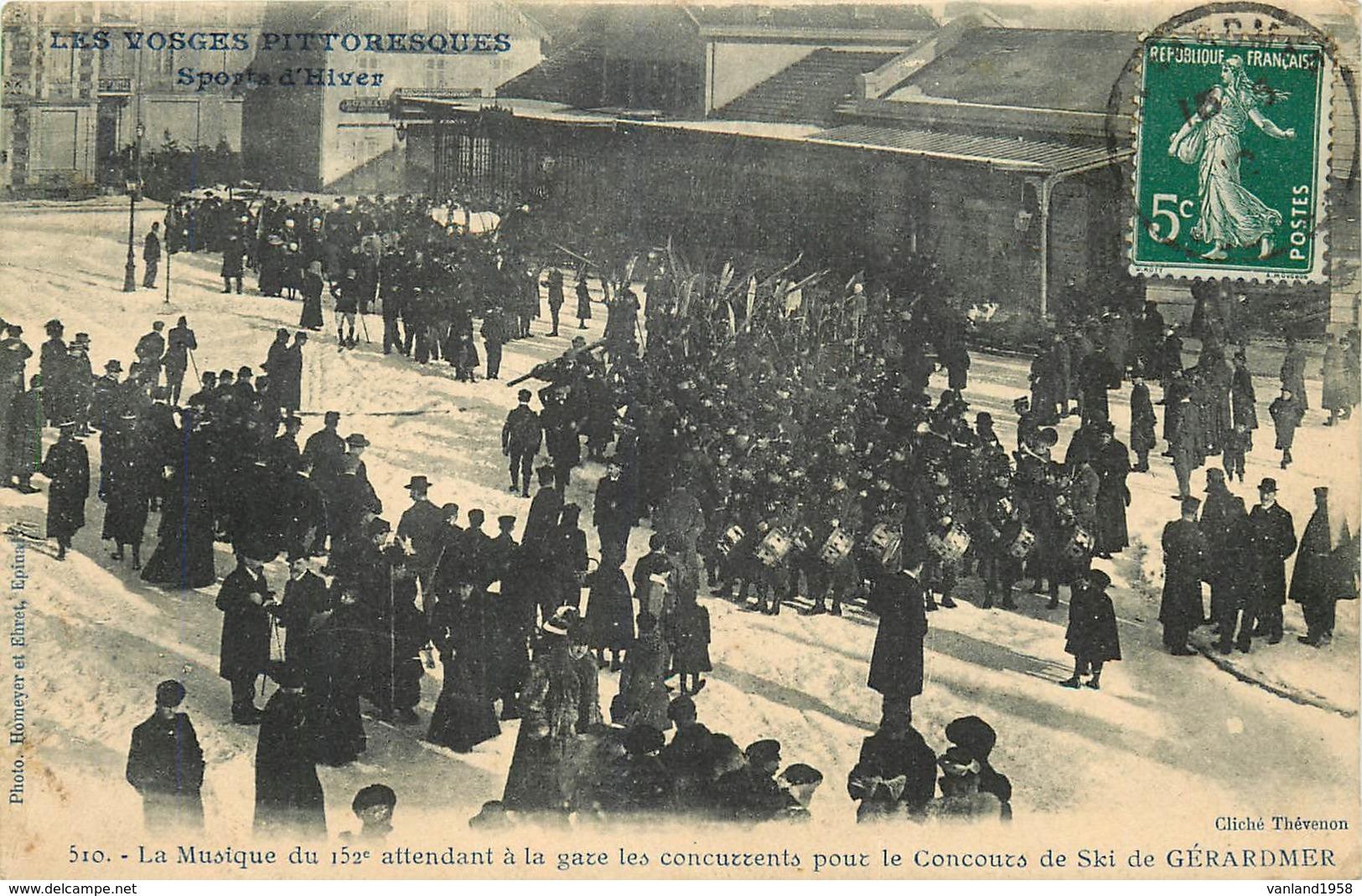 GERARDMER-la Musique Du 152 E Attendant à La Gare Les Concurents Pour Le Concour De Ski - Gerardmer