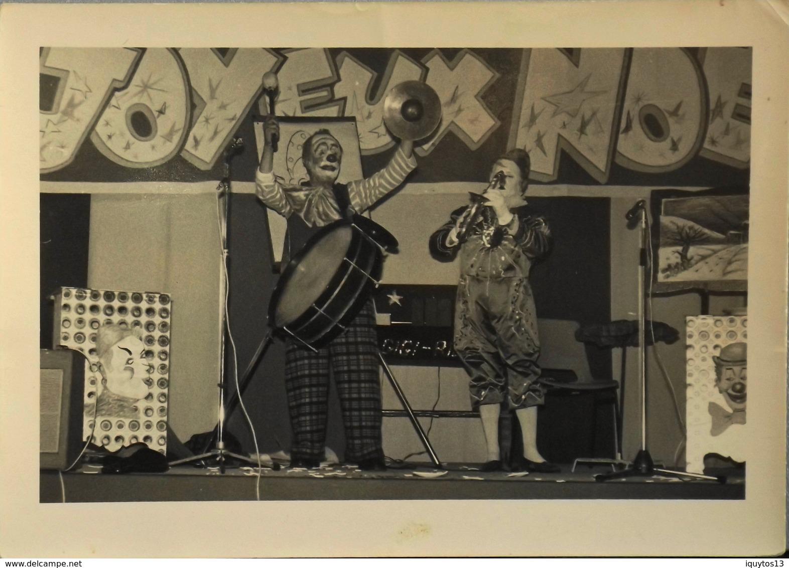 Photo Originale De CLOWNS MUSICIENS à Identifier - TBE - Célébrités