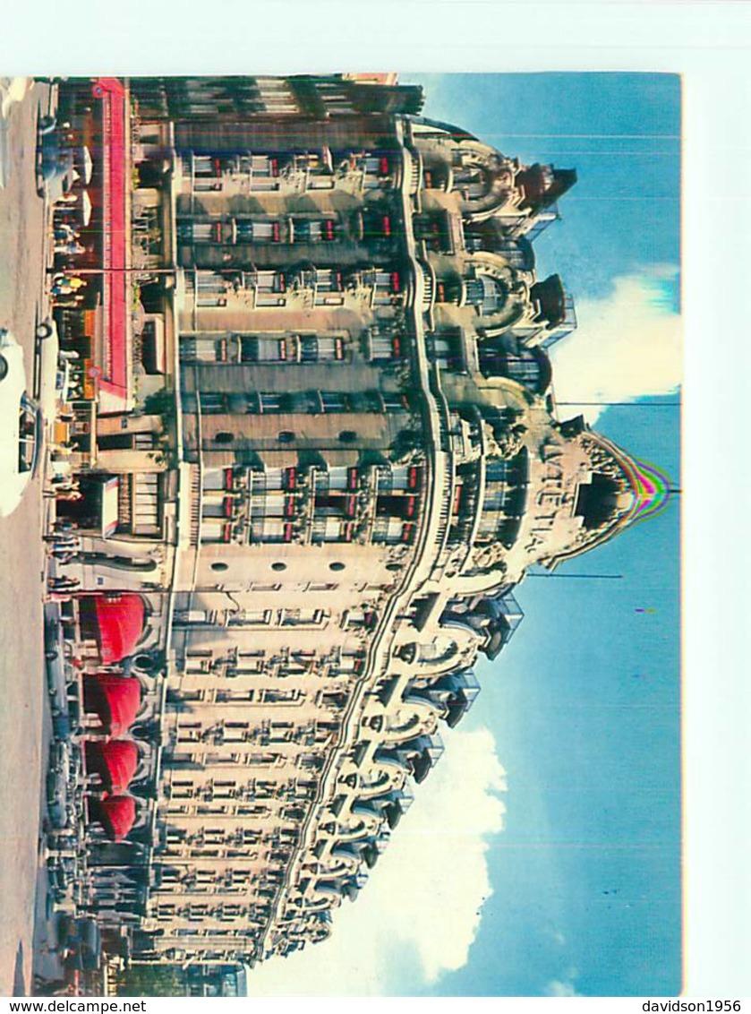 CPSM     -   Paris -     Hôtel  Le Grand Hôtel , Boulevard Raspail , Voitures Citroén DS     Ah10 - Cafés, Hôtels, Restaurants
