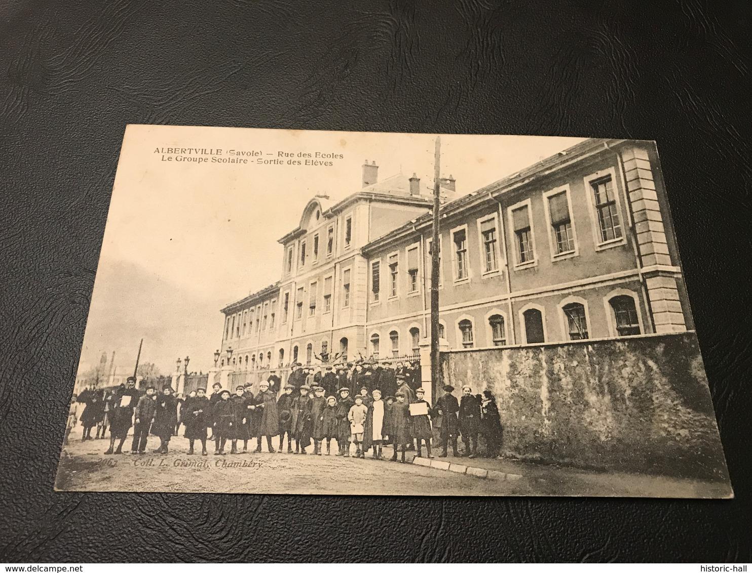 ALBERTVILLE Rue Des Ecoles Le Groupe Scolaire - Sortie Des Eleves - Albertville