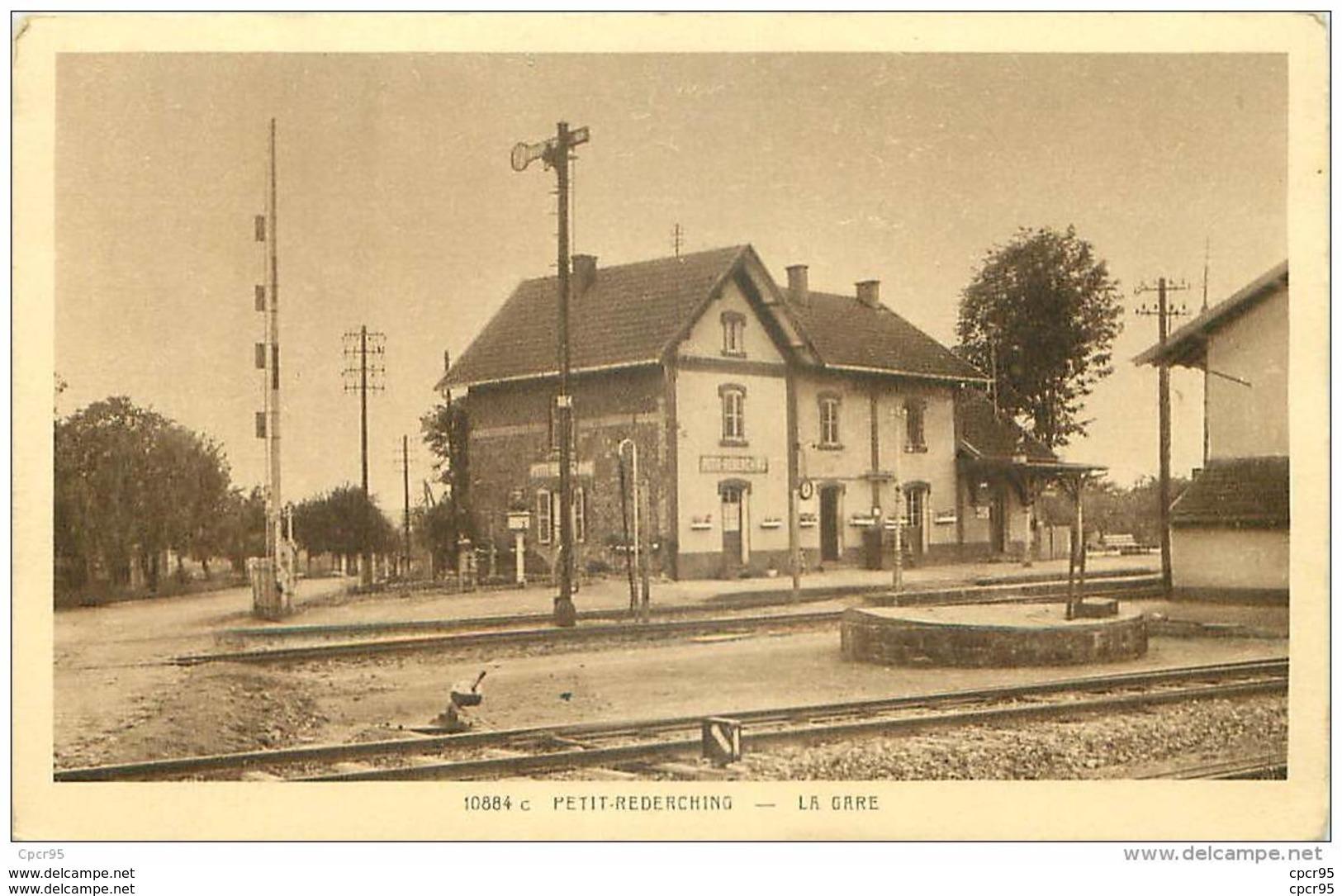 57 . N° 40957 . Petit Rederching.la Gare - Other Municipalities