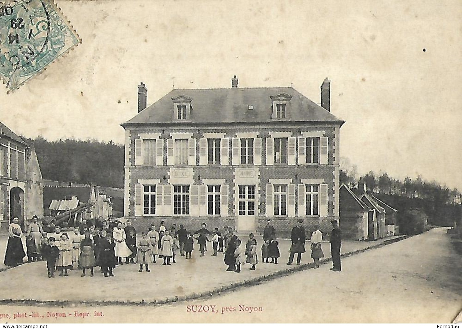 SUZOY Noyon Oise 60 école Très Animée - France