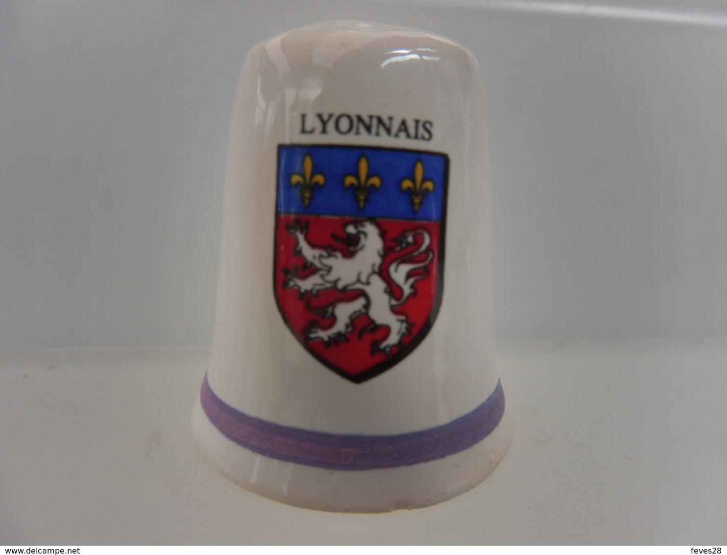 DE A COUDRE EN FAIENCE - ARMOIRIES BLASON - LYONNAIS - Autres Collections