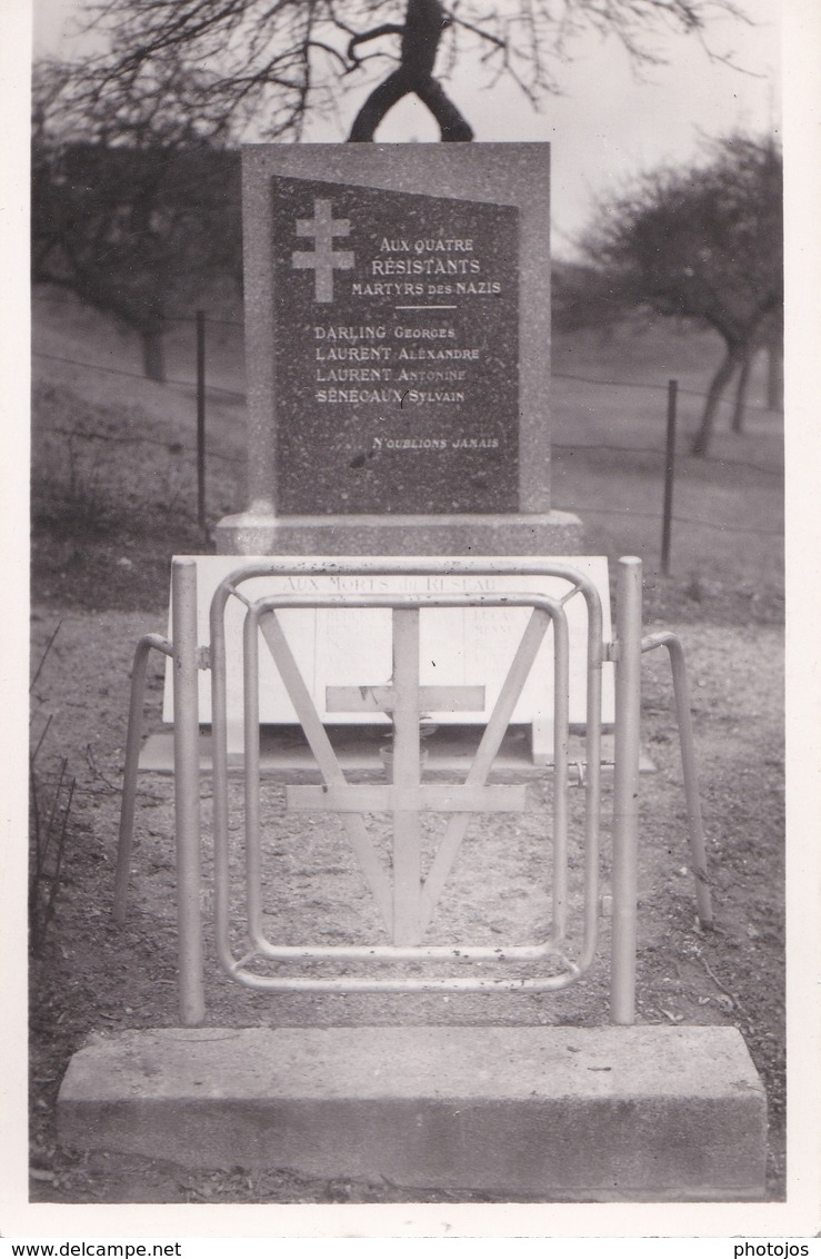 Carte Photo : Neaufles Saint Martin (27) Monument De La Résistance   Darling, Laurent, Sénécaux   Martyrs Des Nazis - War, Military
