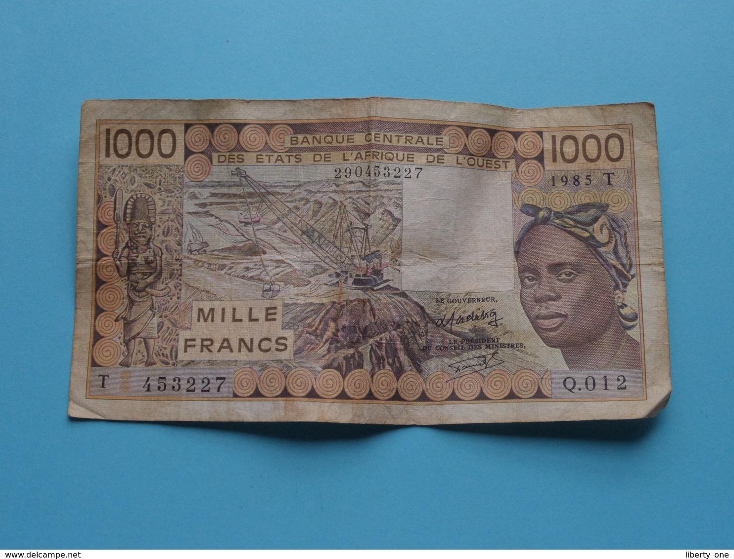 1000 ( Mille ) FRANCS Banque Centrale Des Etats De L'AFRIQUE De L'OUEST 290453227 ( T 453227 - 1985 ) ! - West African States