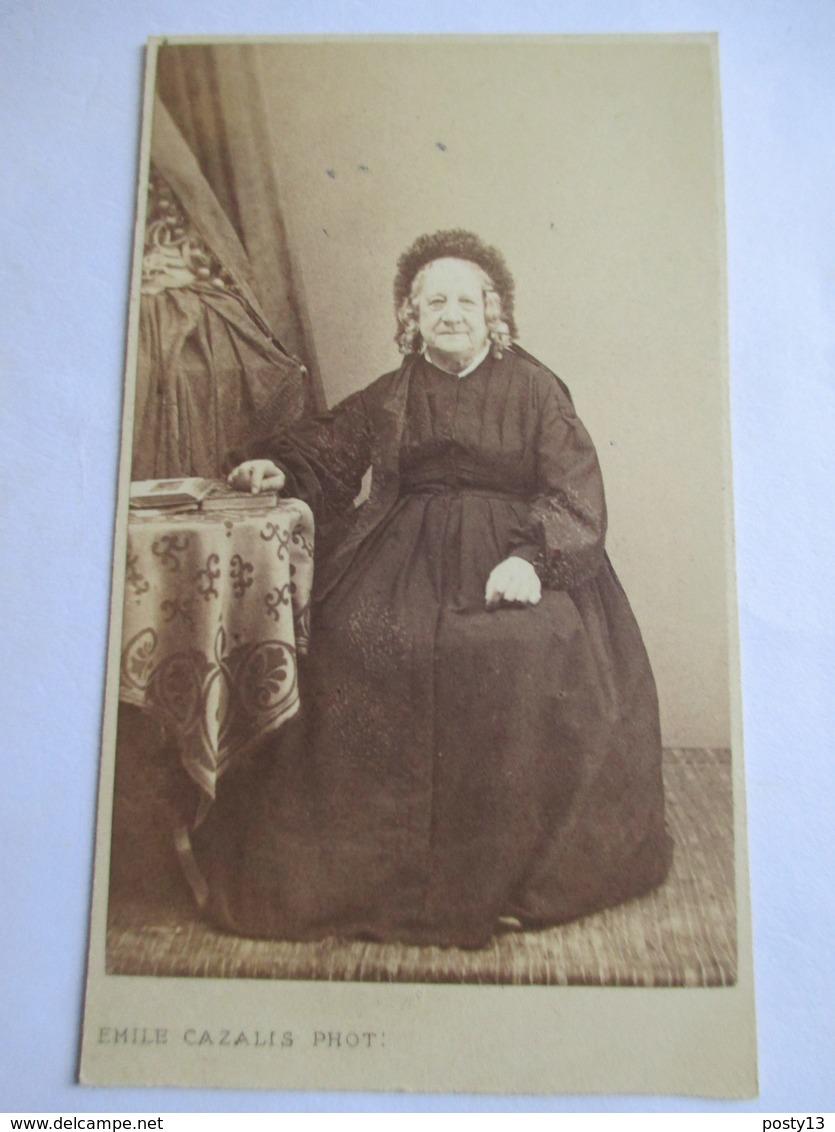 """Photographie Albumen CDV  Emile CAZALIS -  Portrait Femme Agée - """" Grand-Mère""""  ( Famille  Viret ?)  - Marseille  TBE - Photos"""