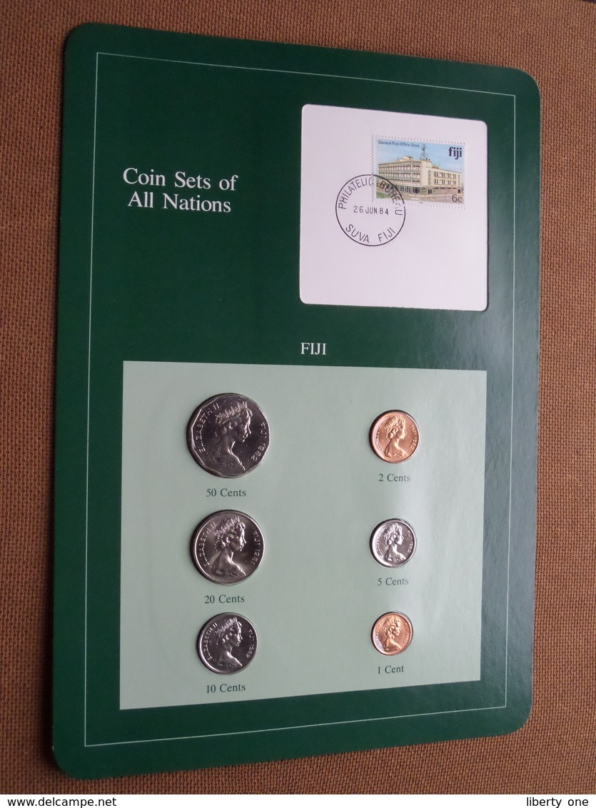FIJI ( From The Serie Coin Sets Of All Nations ) Card 20,5 X 29,5 Cm. ) + Stamp '84 ! - Figi