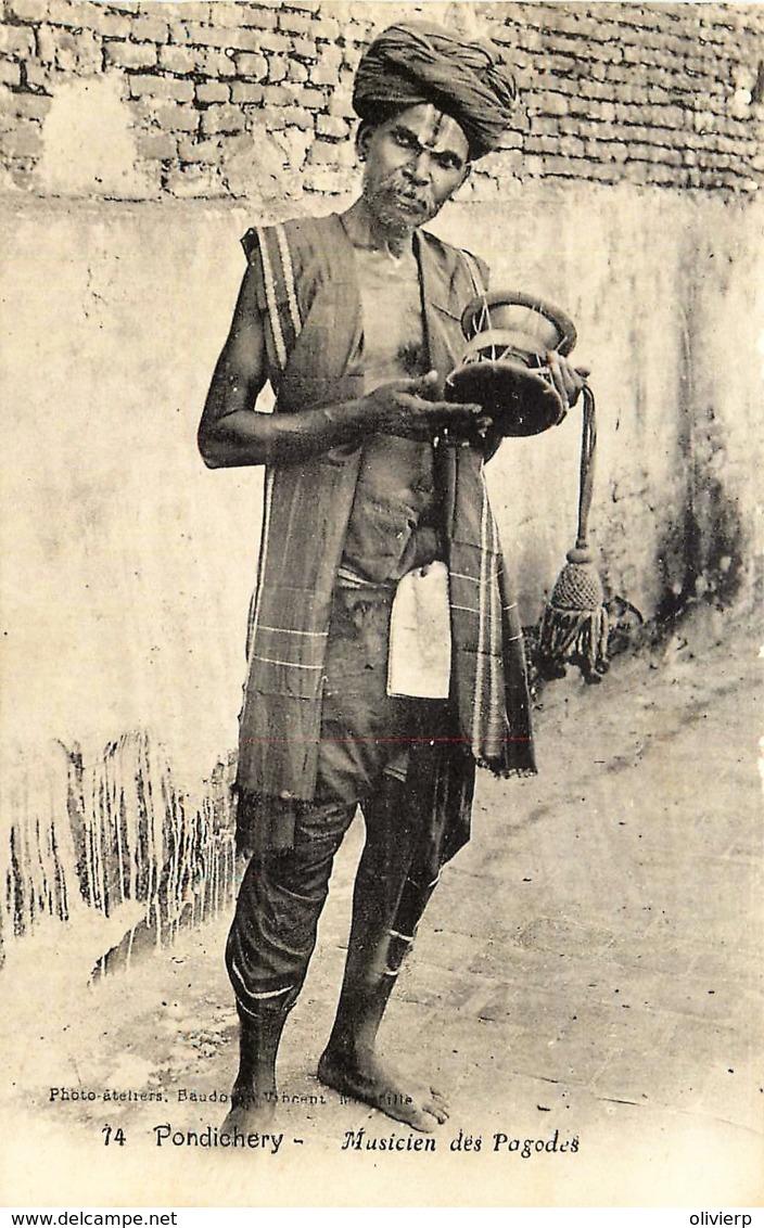 Inde - Pondichery - Musicien Des Pagodes - India