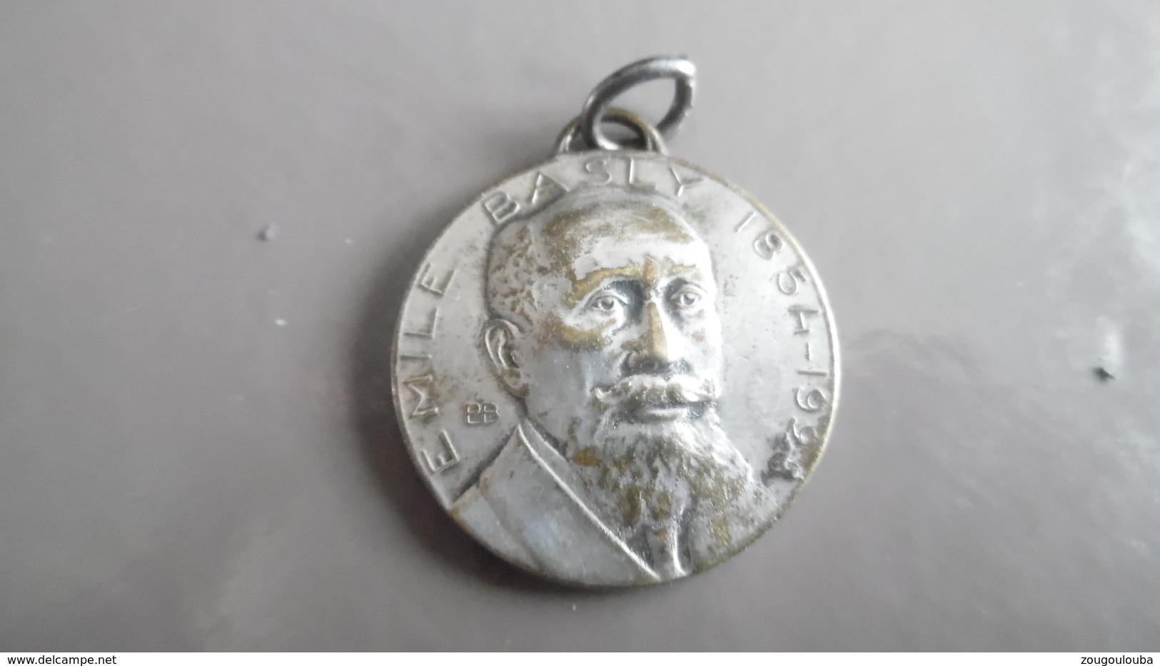 Médaille émile Basly Syndicat Des Mineurs Du Pas De Calais - Militari