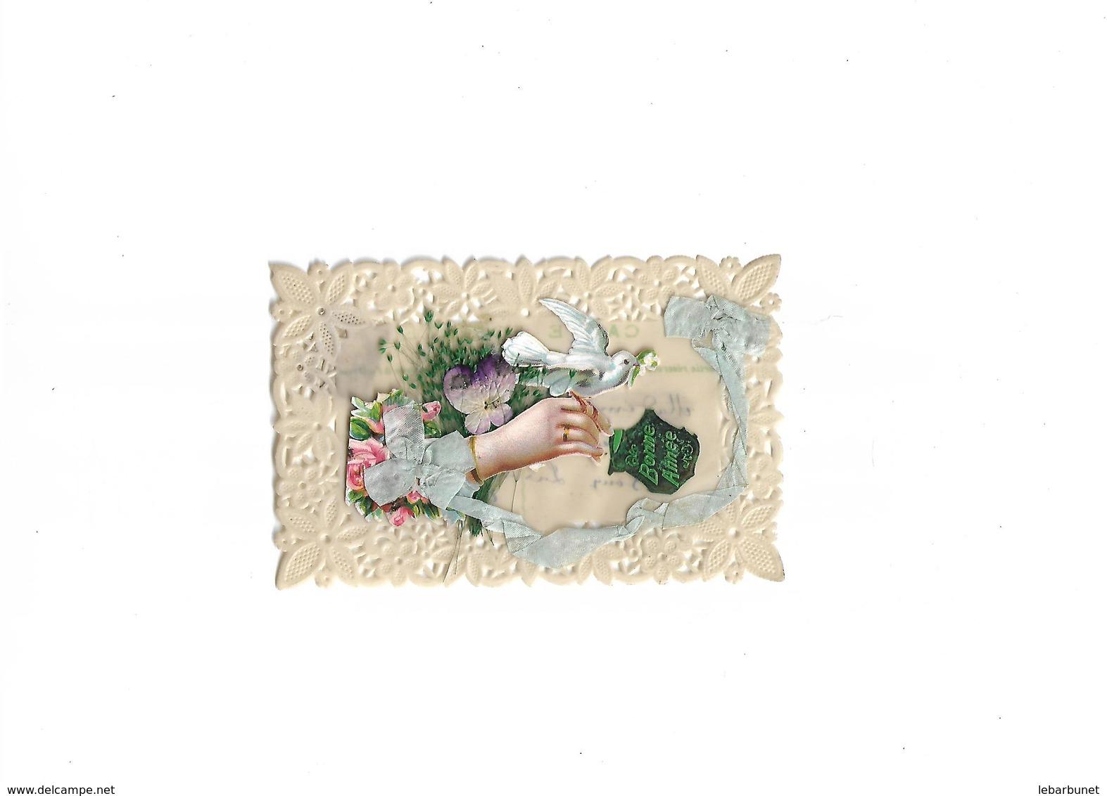 Carte  Postale Ancienne En Céluloid  Avec Bords Ajourés Main Ruban Et Fleurs - Cartes Postales