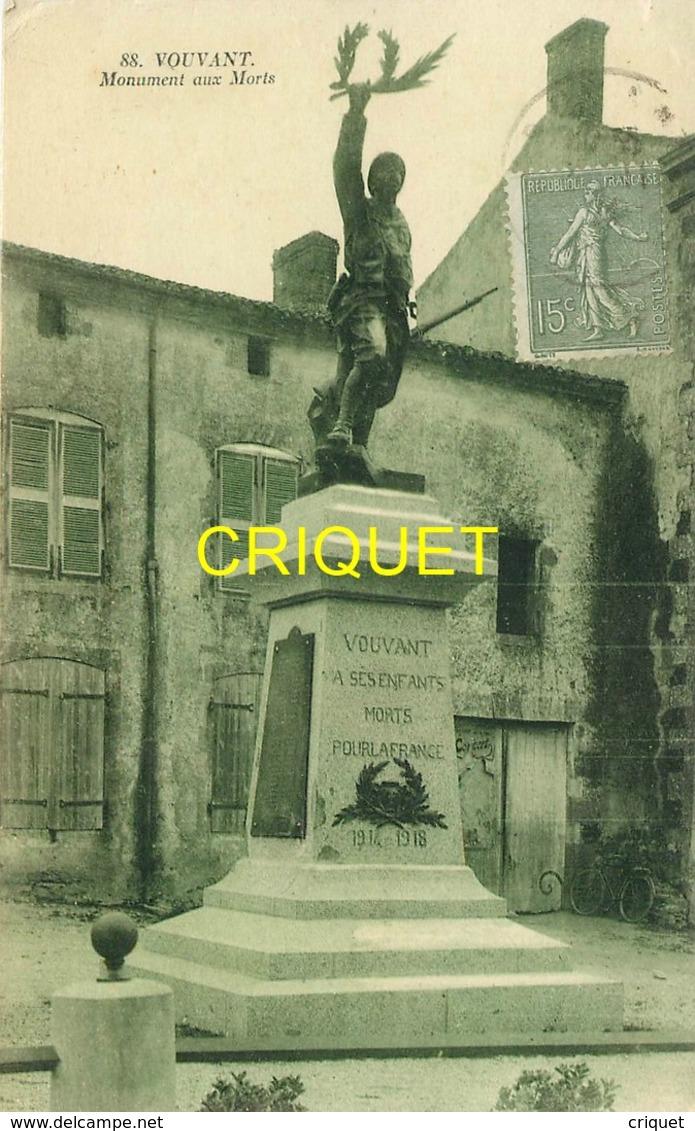 85 Vouvant, Le Monument Aux Morts, Belle Carte Pas Courante Affranchie 1924 - France