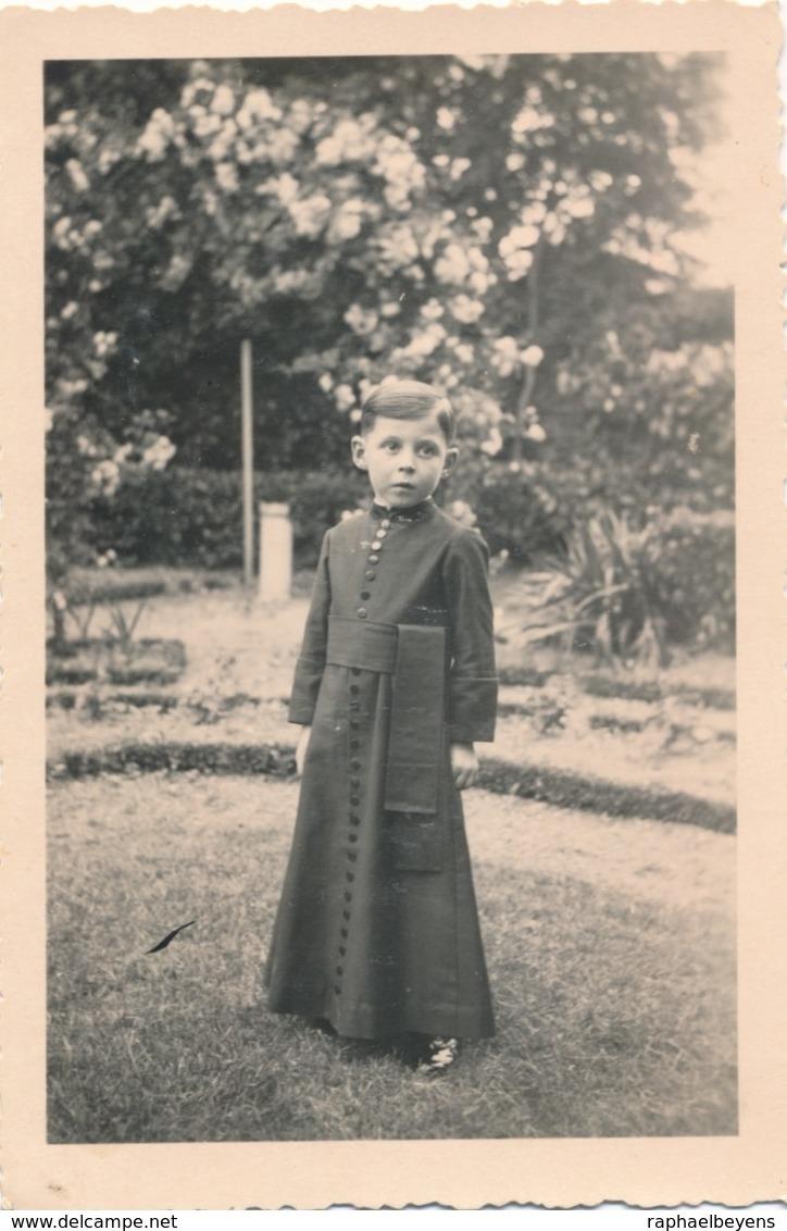 Snapshot Enfant Garçon Boy En Séminariste Curé Prêtre Déguisement Religion - Personnes Anonymes
