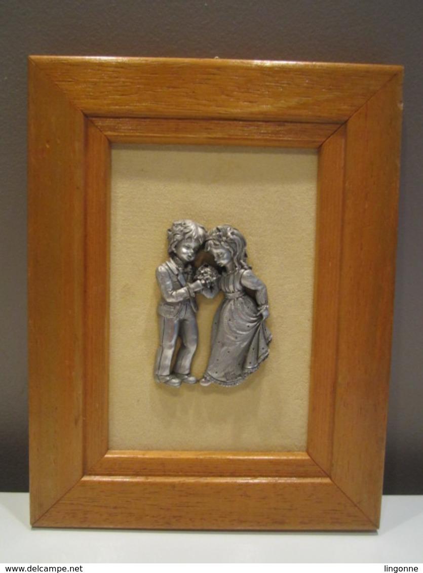 Tableau étain Enfant Amoureux Mariage 16 X 20,5 Cm Env - Etains