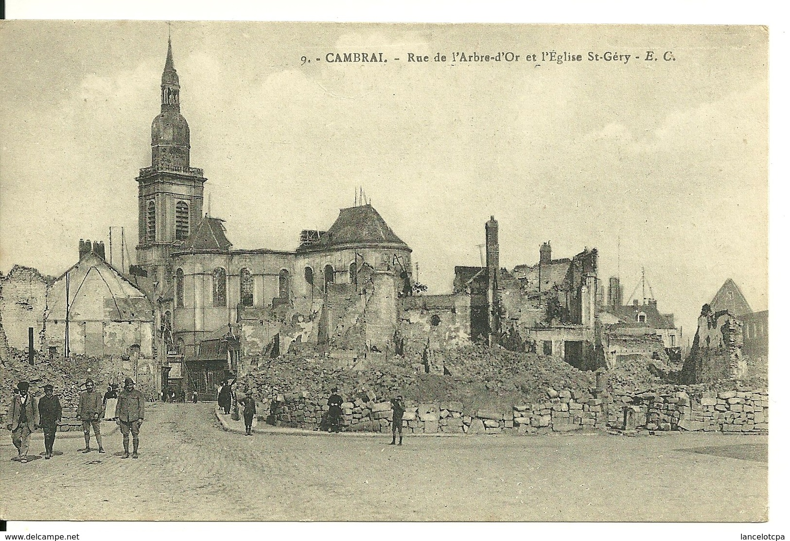 59 - CAMBRAI / RUE DE L'ARBRE D'OR ET EGLISE ST GERY - Cambrai
