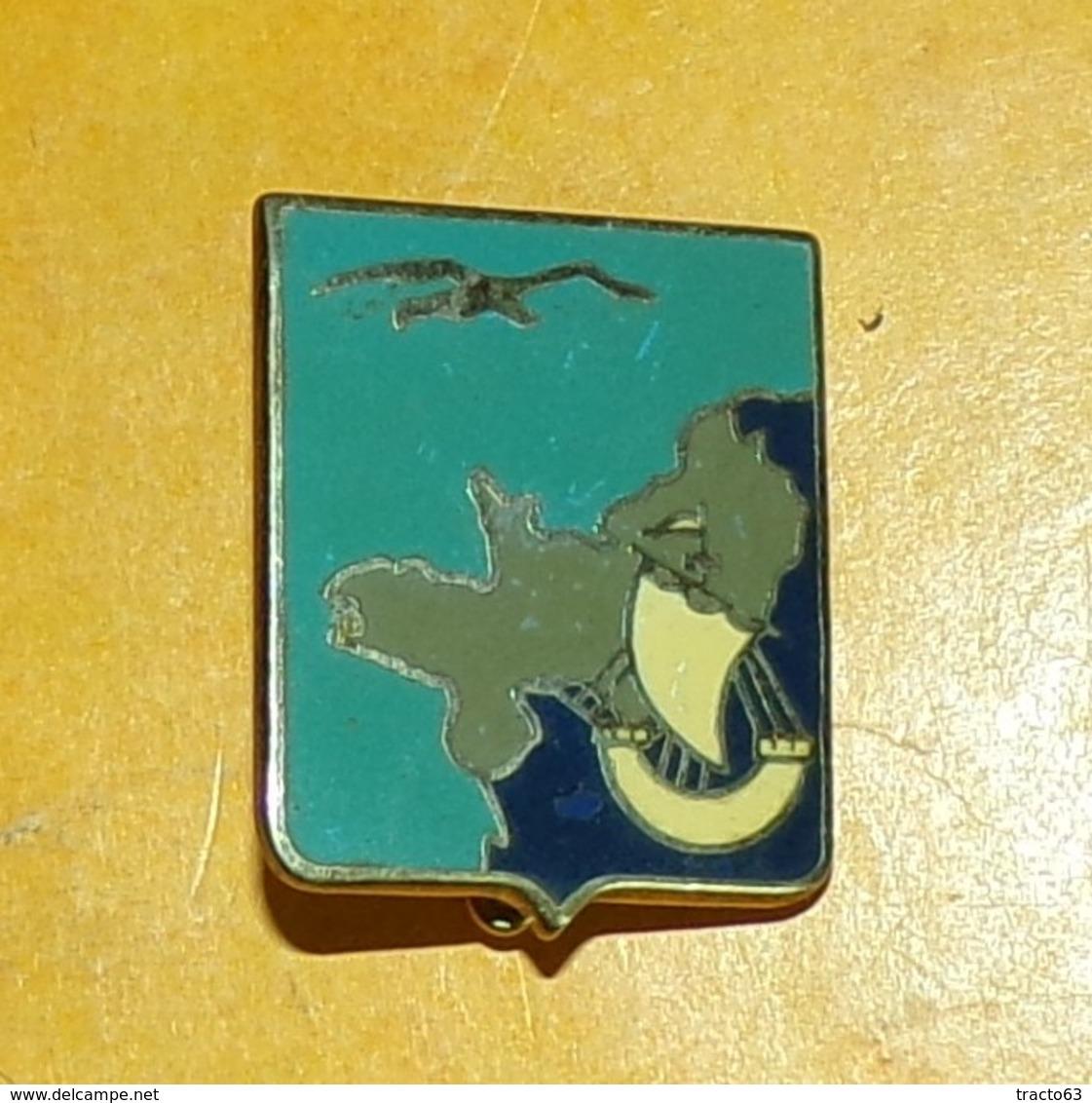 Etat Major 2° Rég° Aér. 00 - 352 , écu Bleu Aigle, 1/4 De La France En Gris Et Bleu Avec Caravelle BlancheFABRICANT DRAG - Forze Aeree