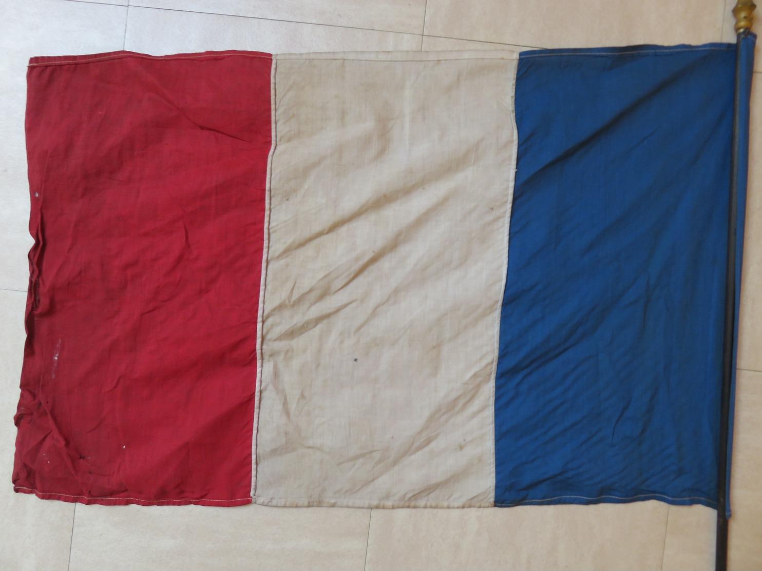 Ancien Drapeau Français WW2 1939 1944 A Identifié ! INTROUVABLE Sur Internet ! Ww1 ? 1914 1918 14 18 39 44 Guerre Armée - Flags