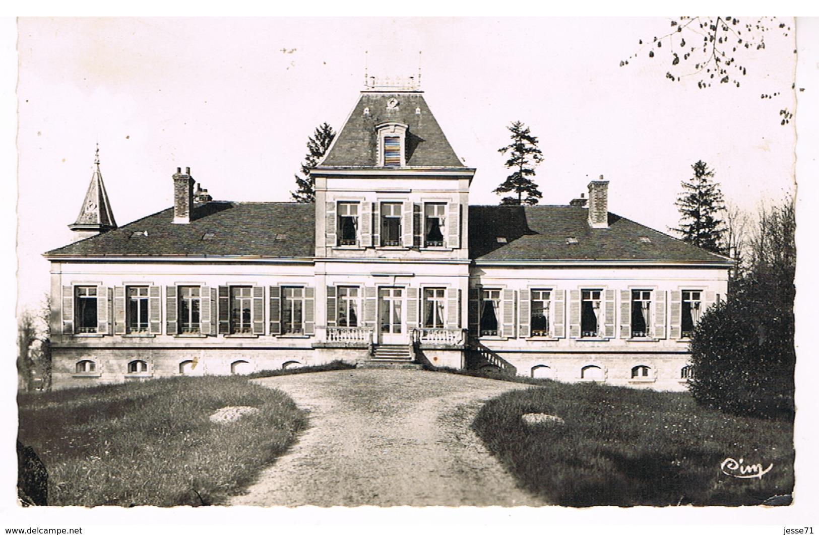 Saint-Martin-Belle-Roche - Le Château - France