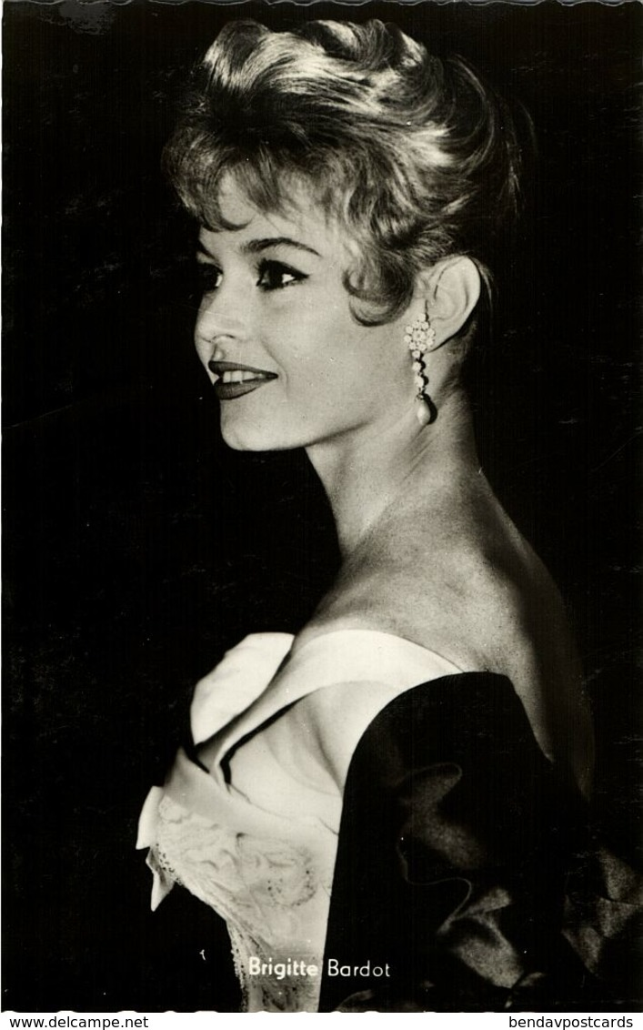 French Actress Brigitte Bardot (1960s) Arthur Rank RPPC - Entertainers