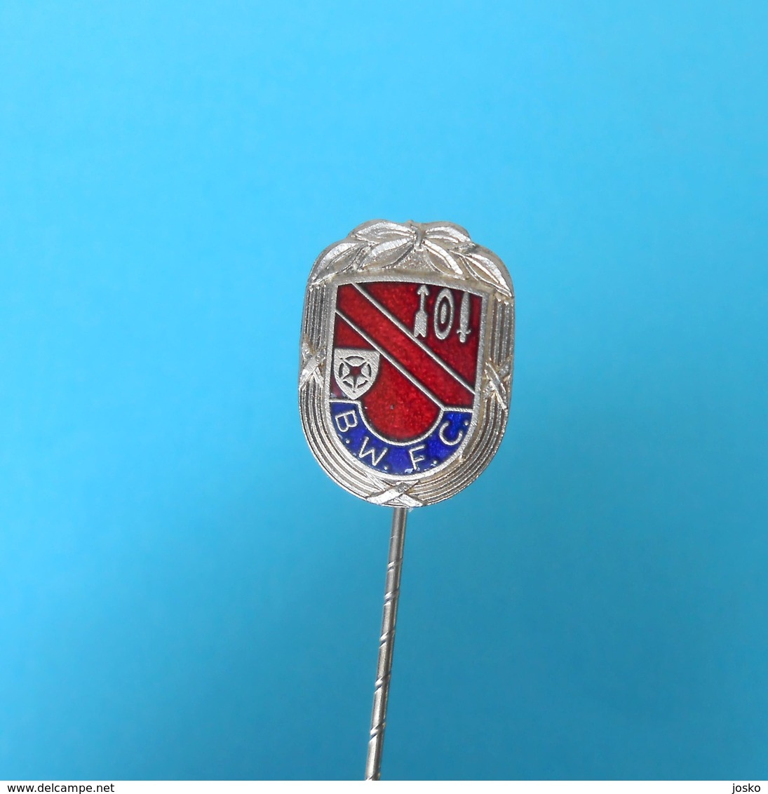 BOLTON WANDERERS FC - England Football Soccer Club Old Enamel Pin Badge Fussball Calcio Futbol Futebol Foot British - Football
