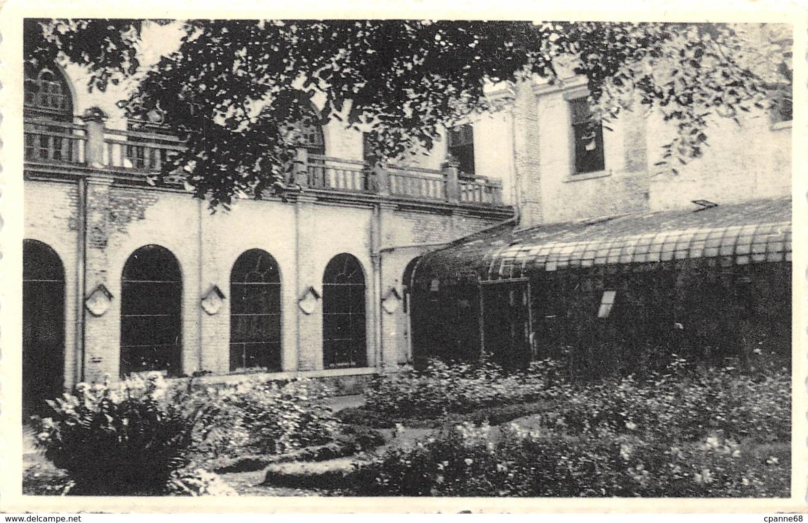 Philippeville - Institut Des Soeurs De Notre-Dame - Un Coin Du Jardin - Philippeville
