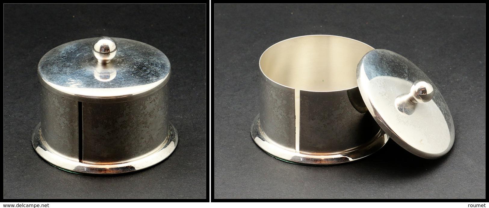 Distributeur De Roulettes. Modèle En Métal Argenté, Diam.55mm X H.40mm. - TB - Boites A Timbres