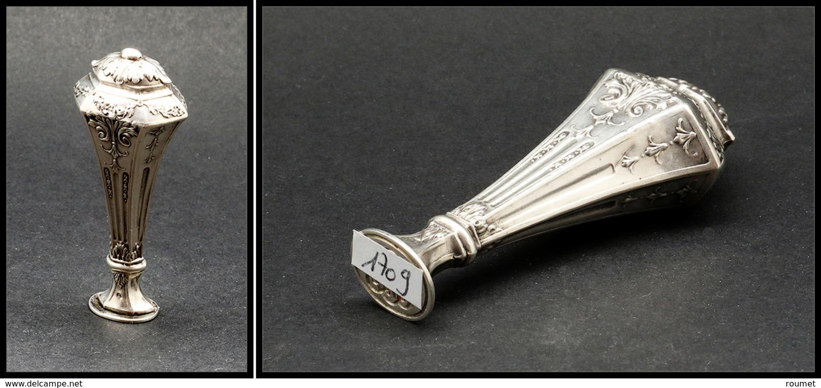 Cachet De Cire En Argent à Fin Décor Sur L'ensemble, Monogramme, Poinçons, H.75mm. - TB - Boites A Timbres
