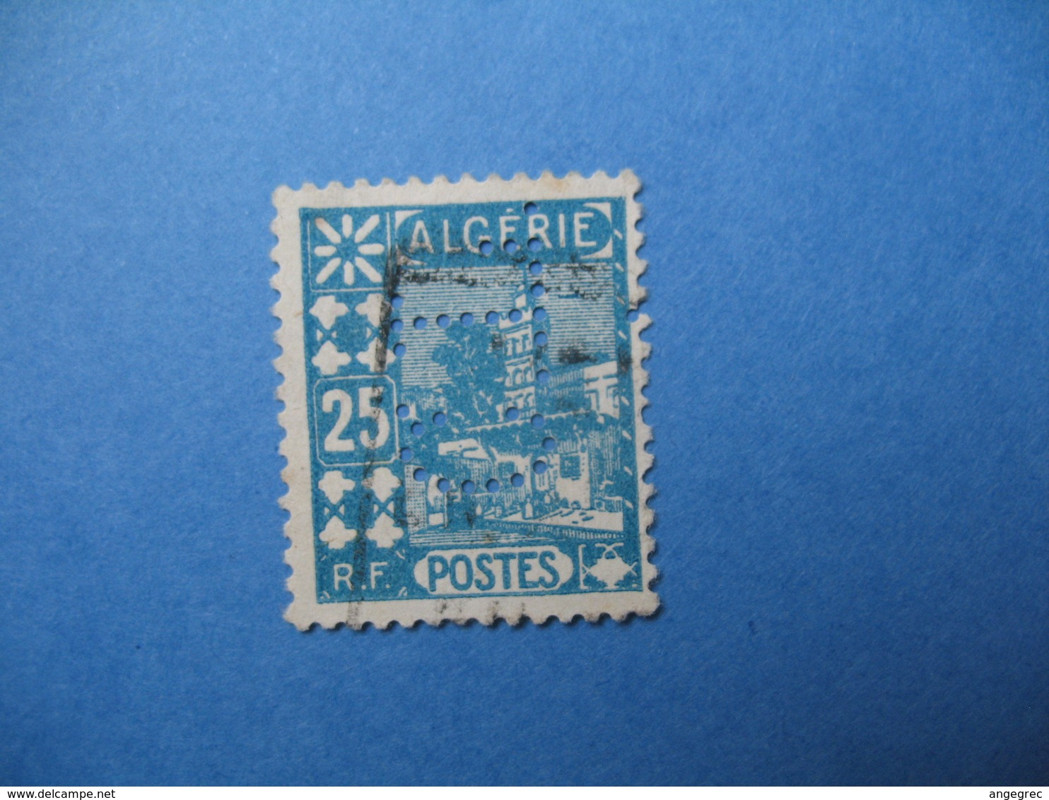 Perforé  Perfin  Algérie ,   Perforation :  CL13    à Voir - Autres