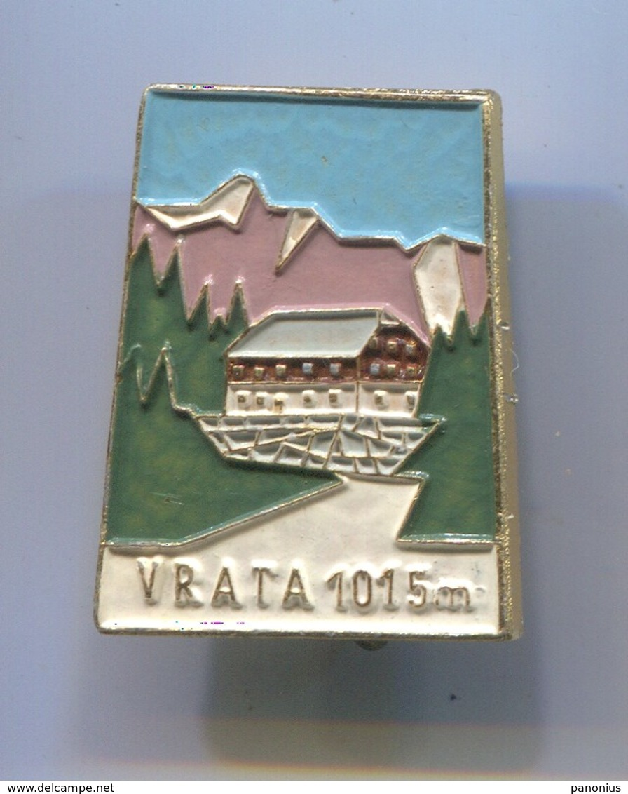 Alpinism Mountaineering Climbing Montanismo - VRATA Slovenia, Vintage Pin, Badge, Abzeichen - Alpinism, Mountaineering