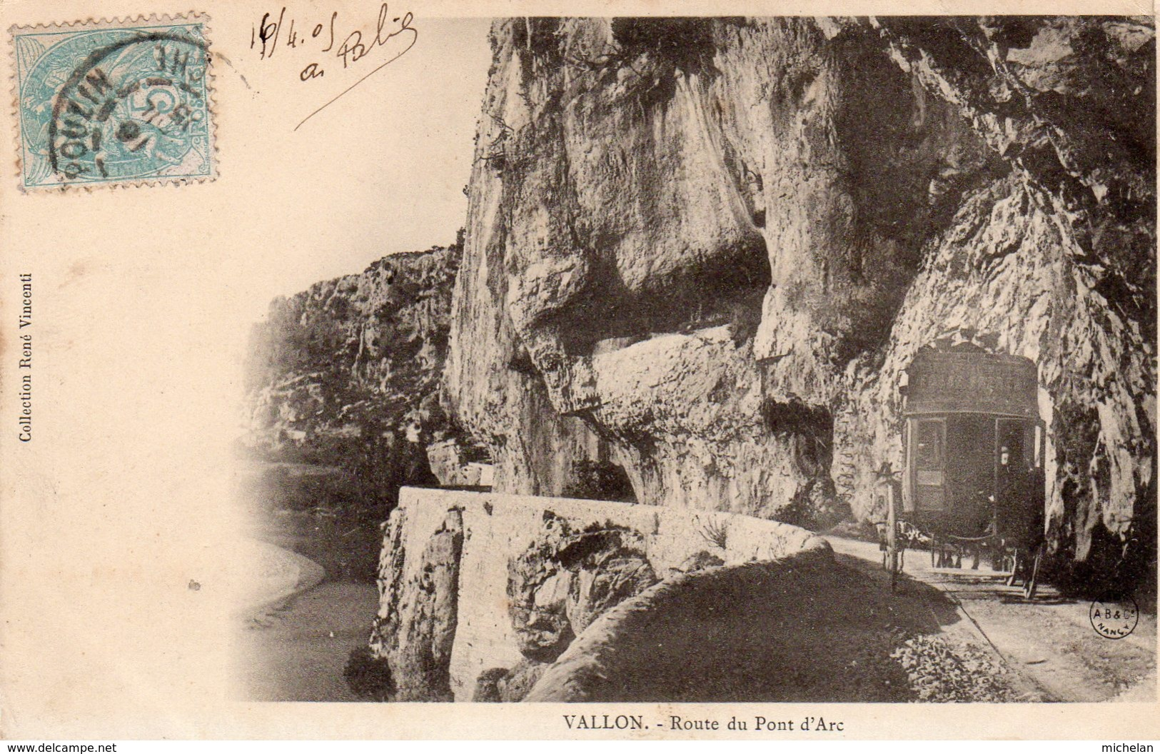 """CPA   07   VALLON---ROUTE DU PONT-D'ARC---"""" DILIGENCE """"---1905 - Vallon Pont D'Arc"""