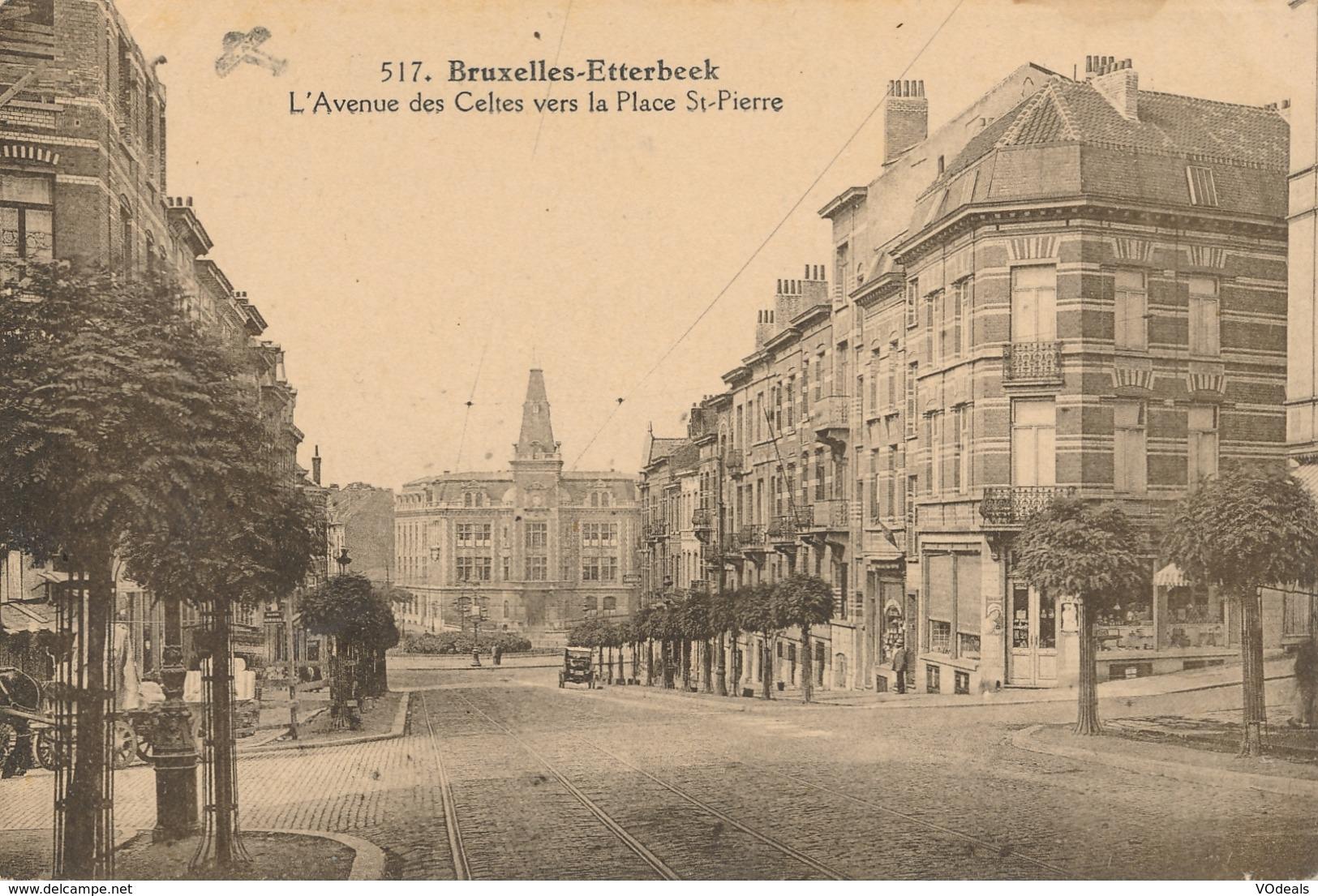CPA - Belgique - Brussels - Bruxelles - Etterbeek - L'avenue Des Celtes Vers La Place St-Pierre - Etterbeek