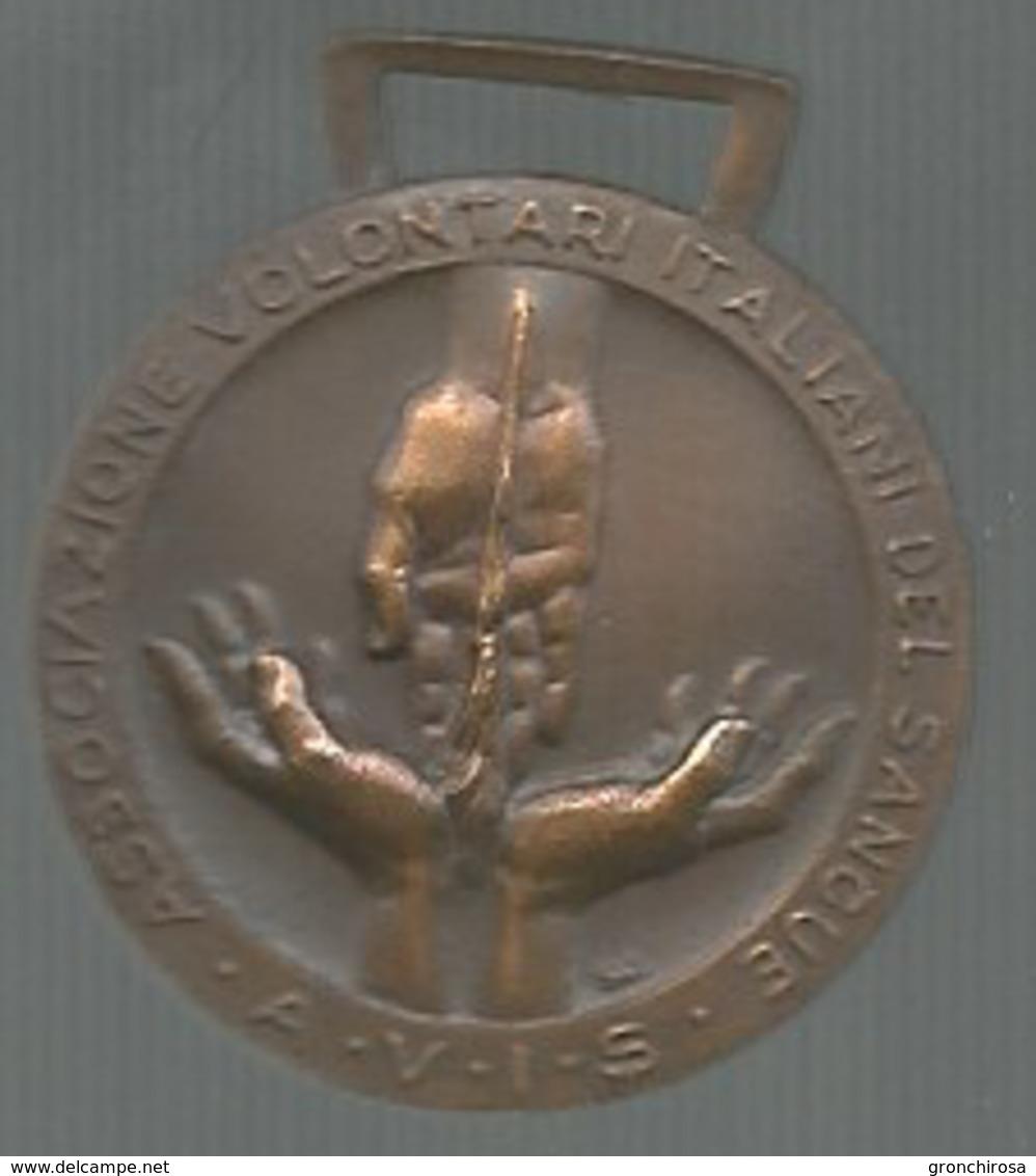 AVIS, Associazione Volontari Italiani Del Sangue, Ae. Gr. 7, Cm. 2,1. - Italia