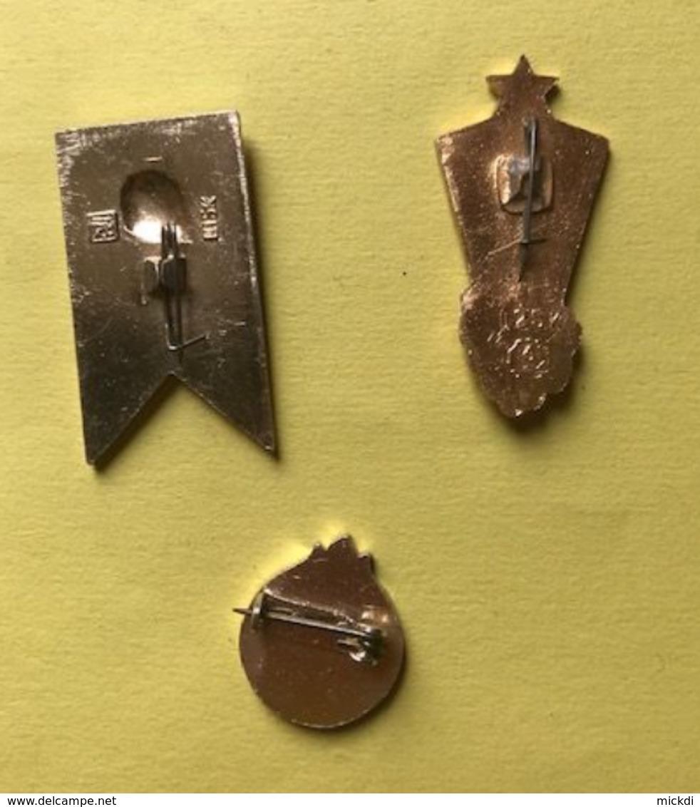URSS BROCHE PIN'S - LOT DE 3 BROCHES ANNEES 1980 - Badges
