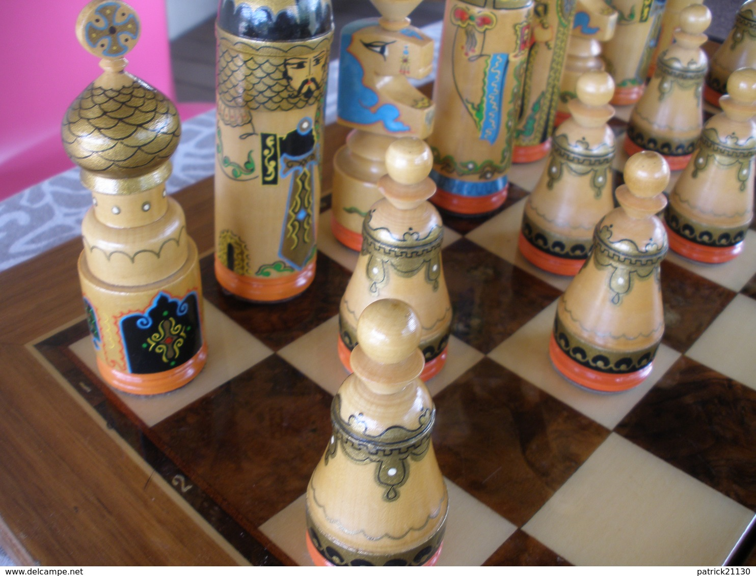 BEL ECHIQUIER RUSSE TRES BELLES PIECES ECHEC - Autres Collections